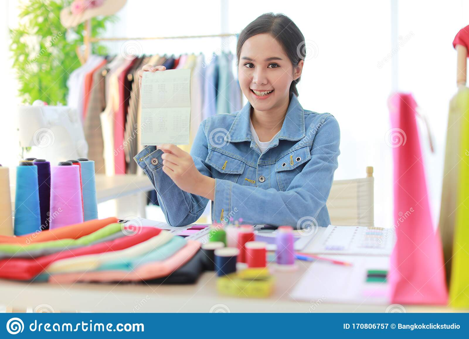 Designer Hold Bank Account With A Lot Of Money Stock Image Image Of Consumer Asian 170806757