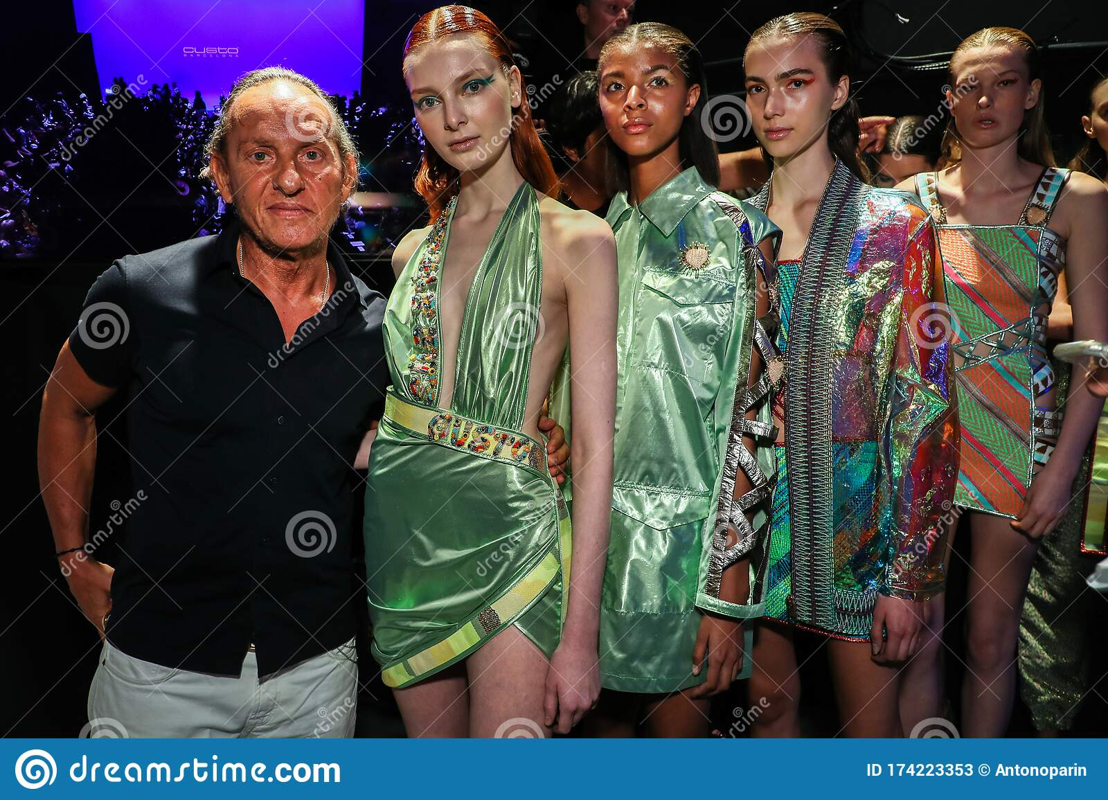 Designer And Models Posing Backstage Before The Custo Barcelona Show During New York Fashion Week Editorial Stock Photo Image Of 2020 Ready 174223353