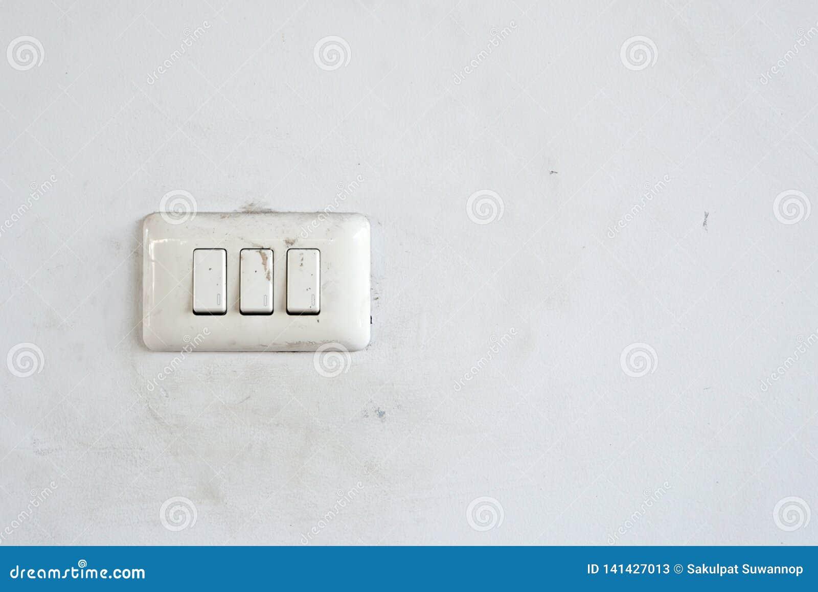 Desligue o interruptor com o espaço