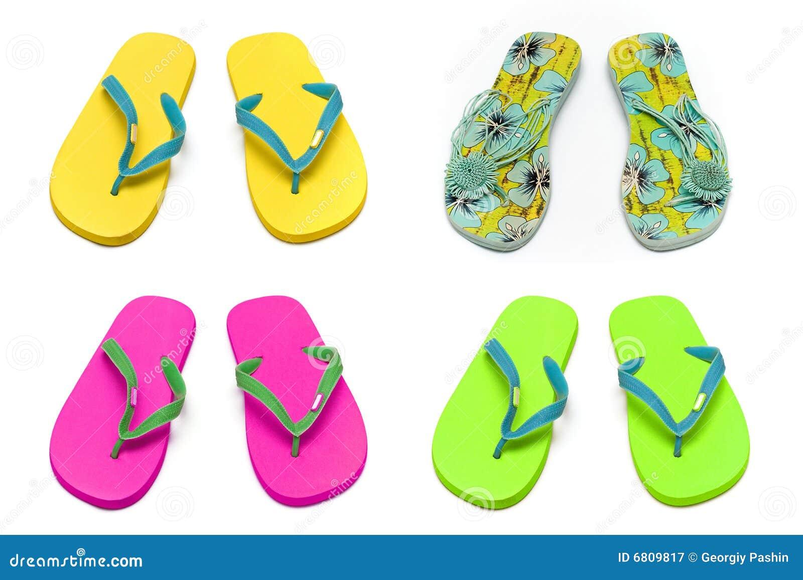 Deslizadores de las sandalias en el collage blanco del fondo