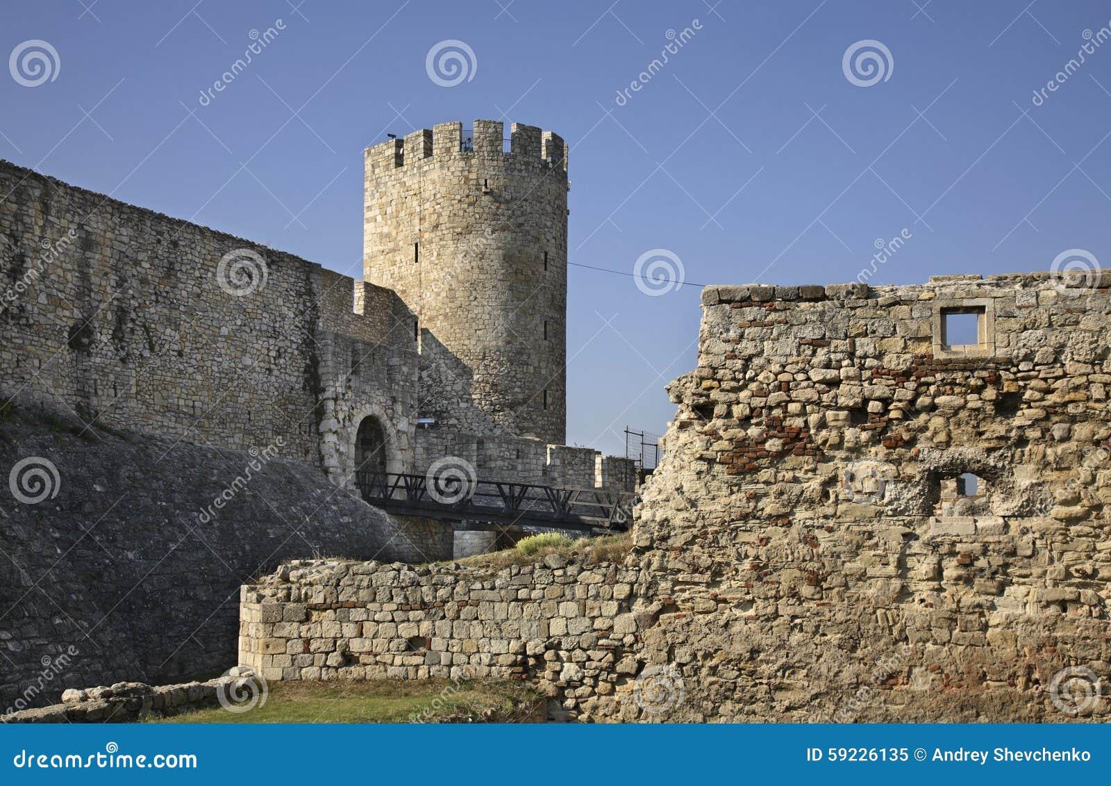 Despotport i den Kalemegdan fästningen serbia