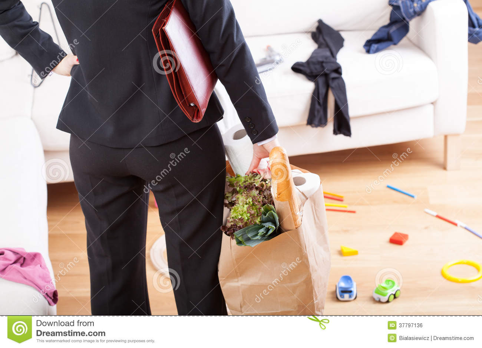 Después de lío casero que hace compras