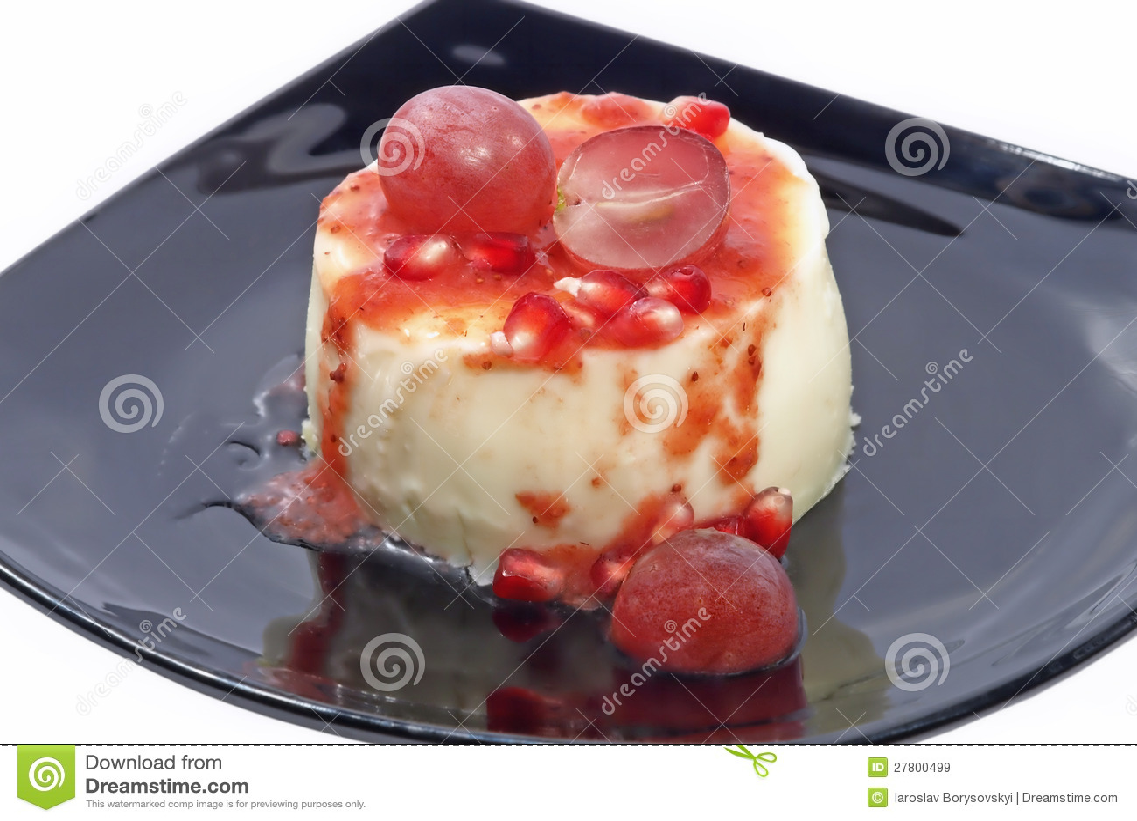 Dessert avec les baies et la grenade fra ches de raisins for Dessert avec des cerises fraiches