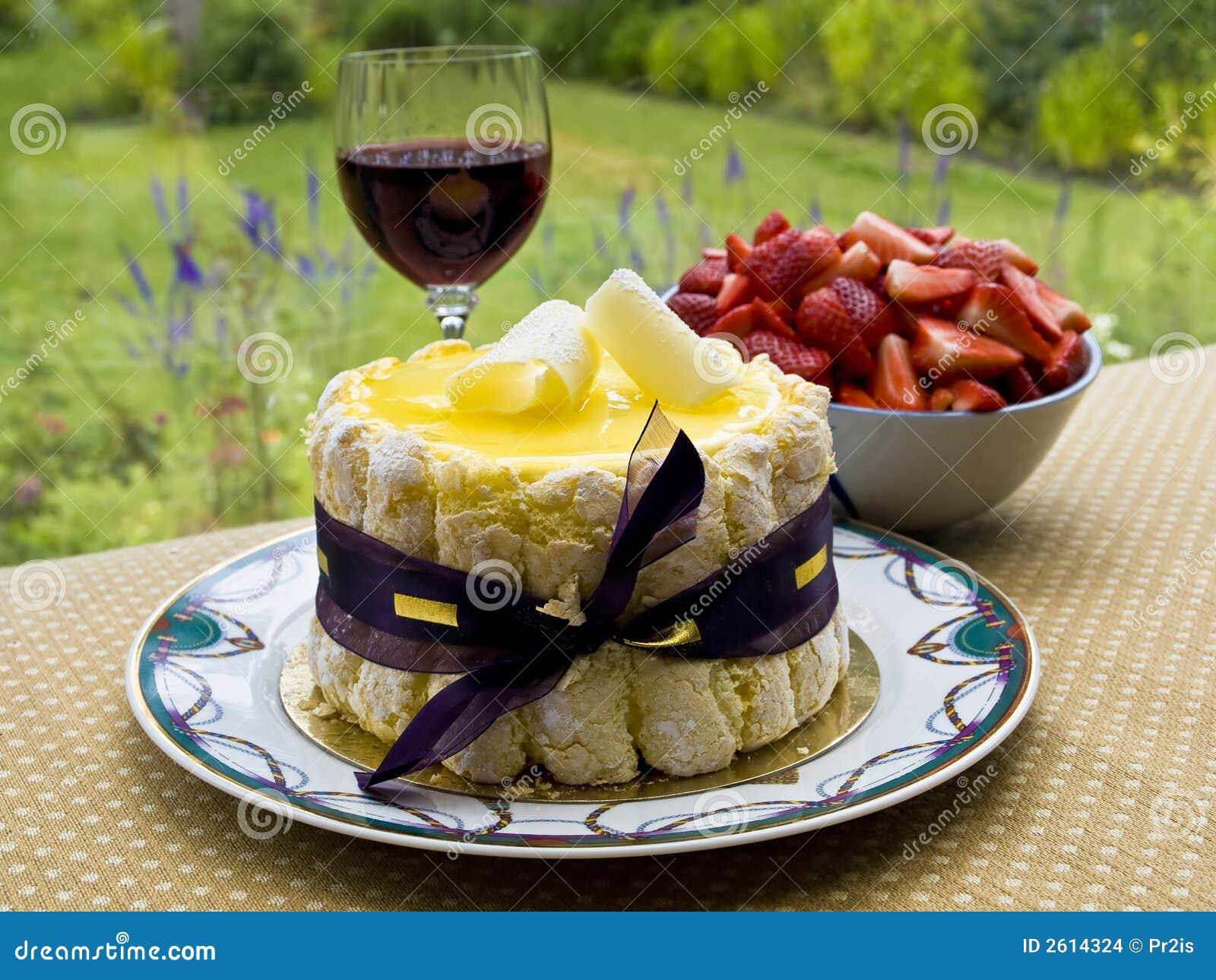 dessert d 39 t avec du vin images stock image 2614324. Black Bedroom Furniture Sets. Home Design Ideas