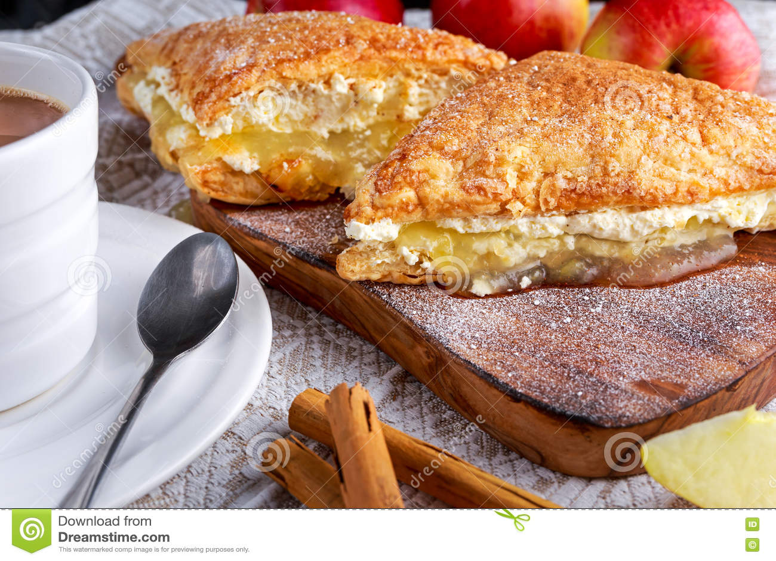 Dessert De Gateau Aux Pommes De Chiffres D Affaires De Pate