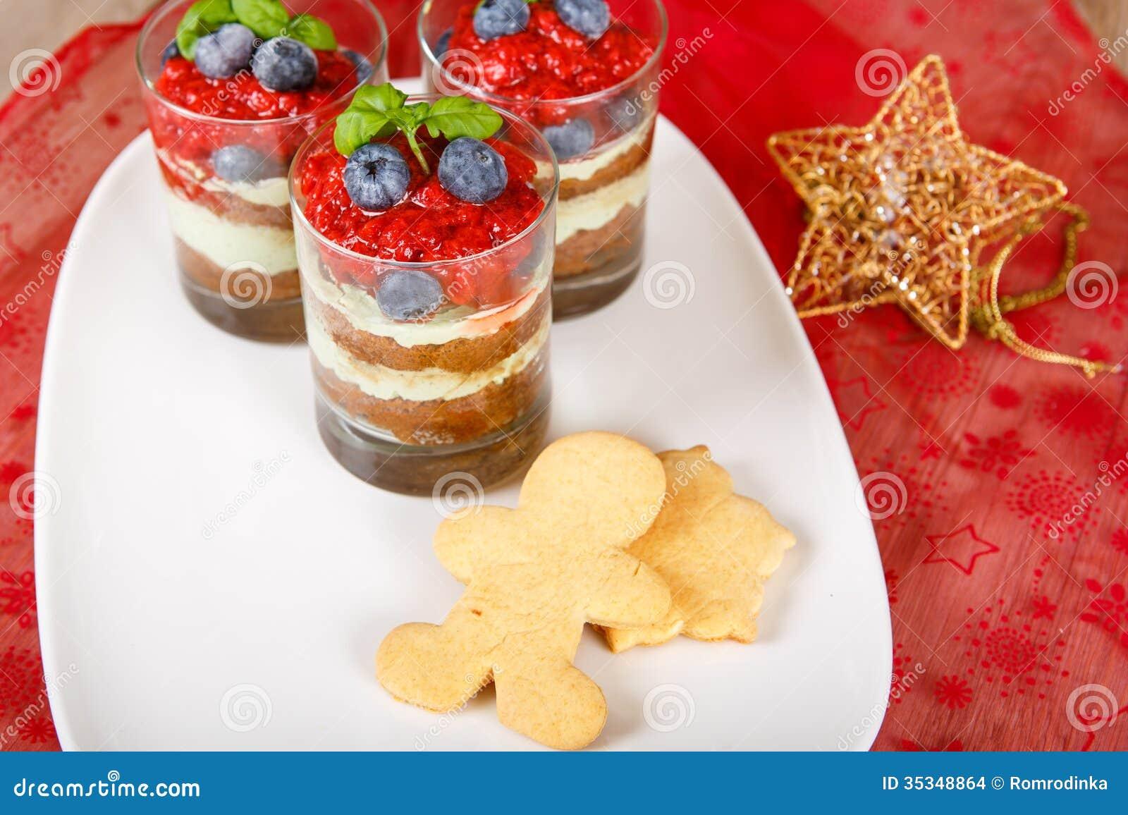 dessert de no 235 l tiramisu doux de dessert avec la fraise fra 238 che images stock image 35348864