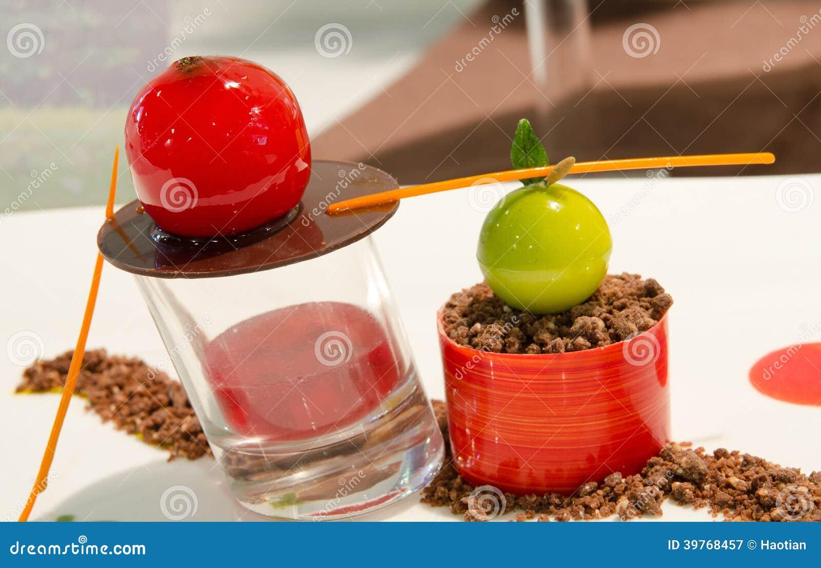 Dessert de tomate cerise photo stock image 39768457 for Dessert avec des cerises fraiches