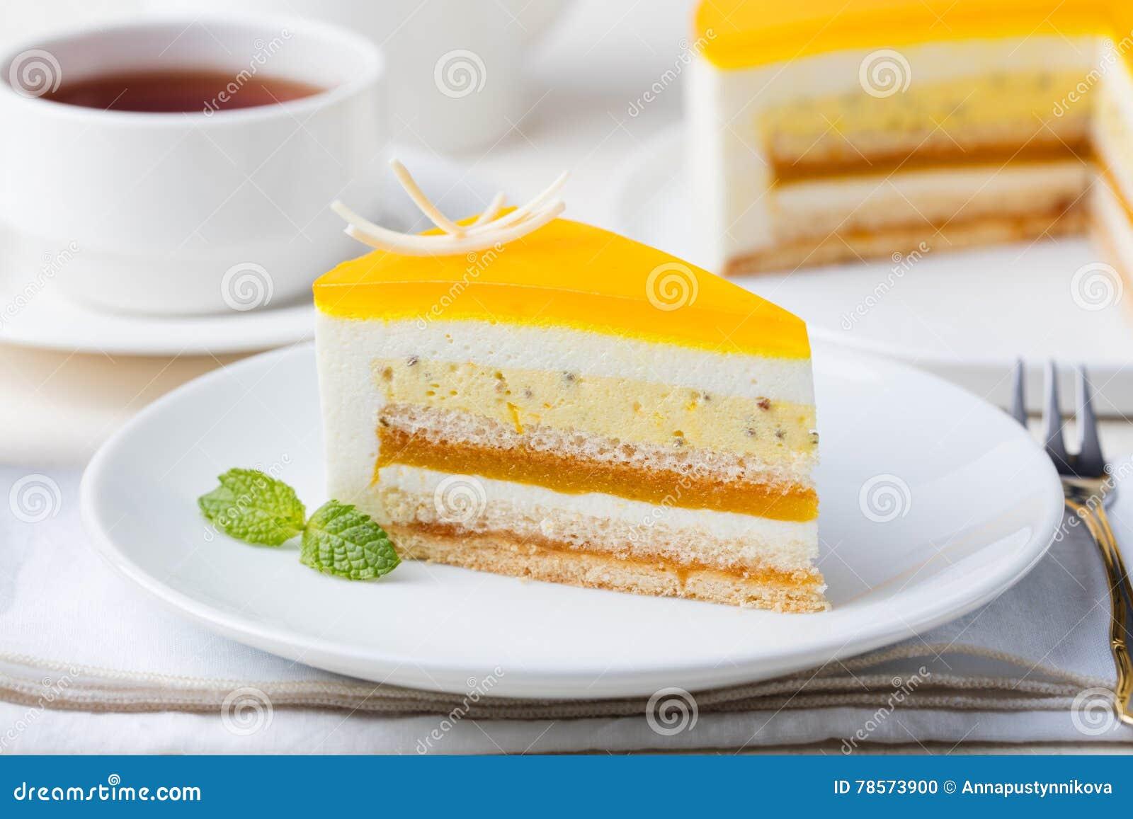 Dessert della mousse del dolce del frutto della passione, sapore tropicale