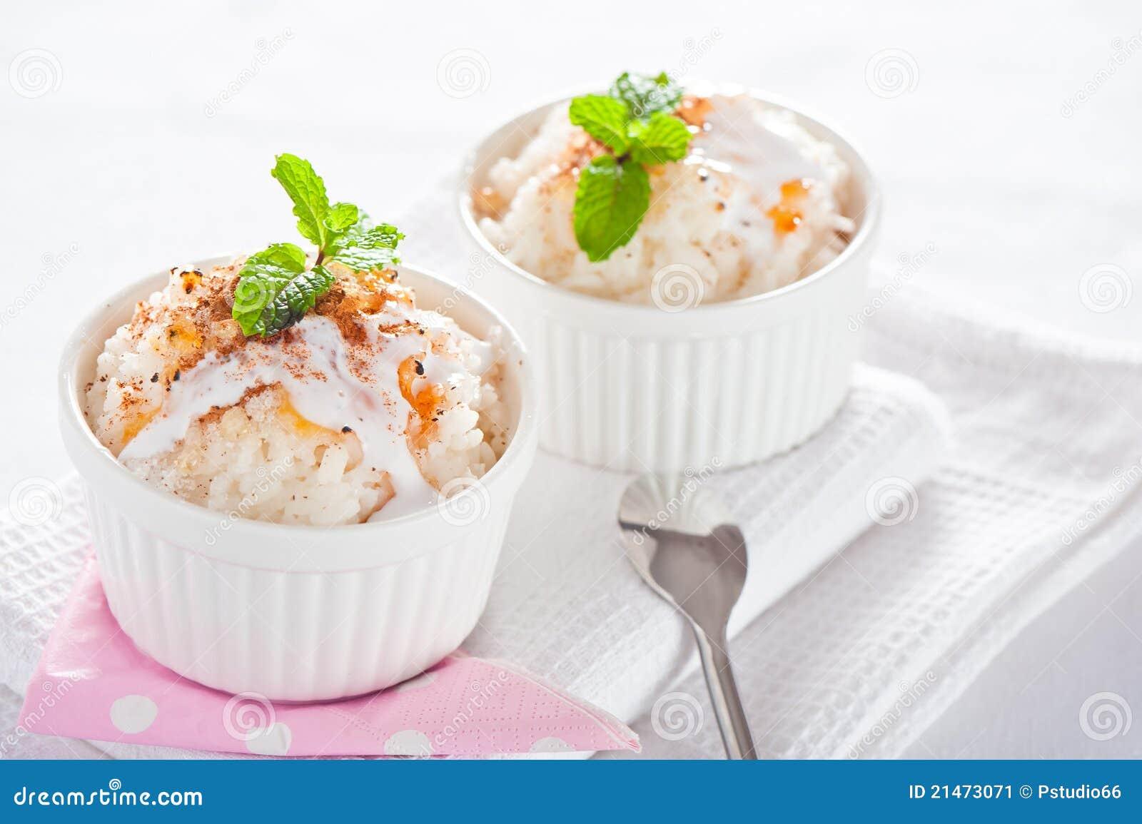 dessert facile riz de lait image stock image 21473071