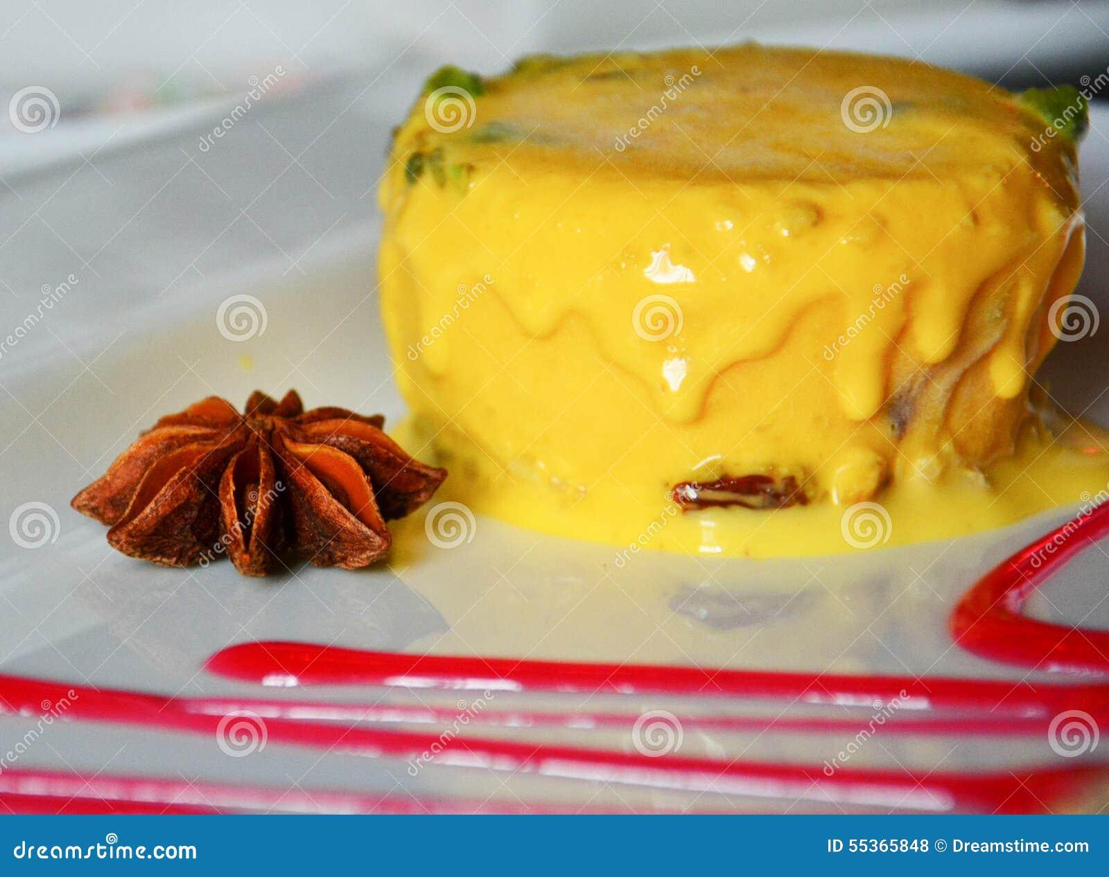 Dessert indiano delizioso del gelato del mango