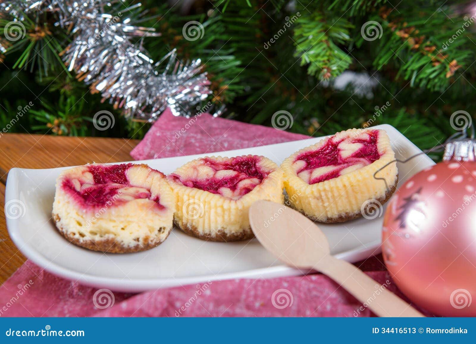 dessert pour no 235 l mini g 226 teaux au fromage de framboise sous la forme de petit