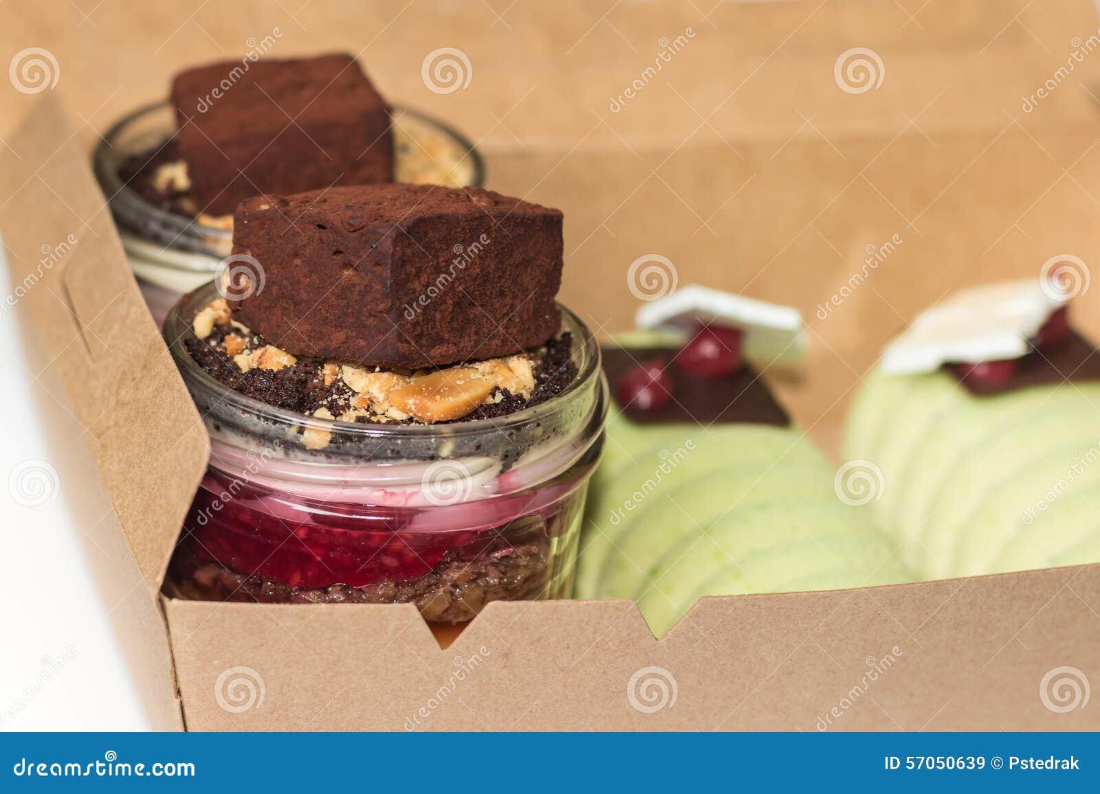 Desserts in containerdoos