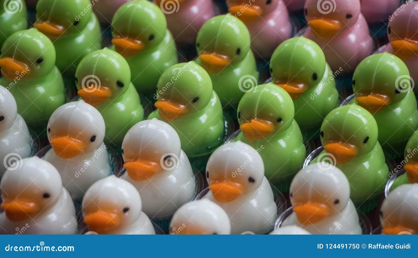 Desserts en forme de canard miniatures