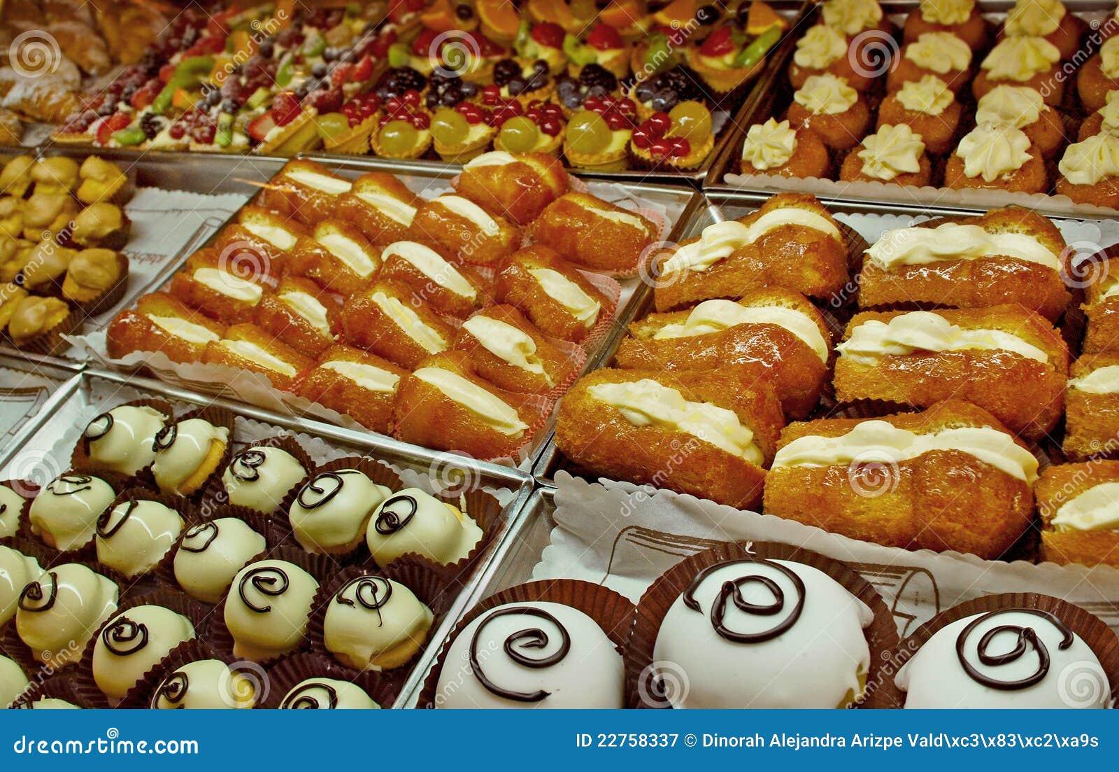 Desserts het italiaanse koken stock afbeelding afbeelding 22758337 - Koken afbeelding ...