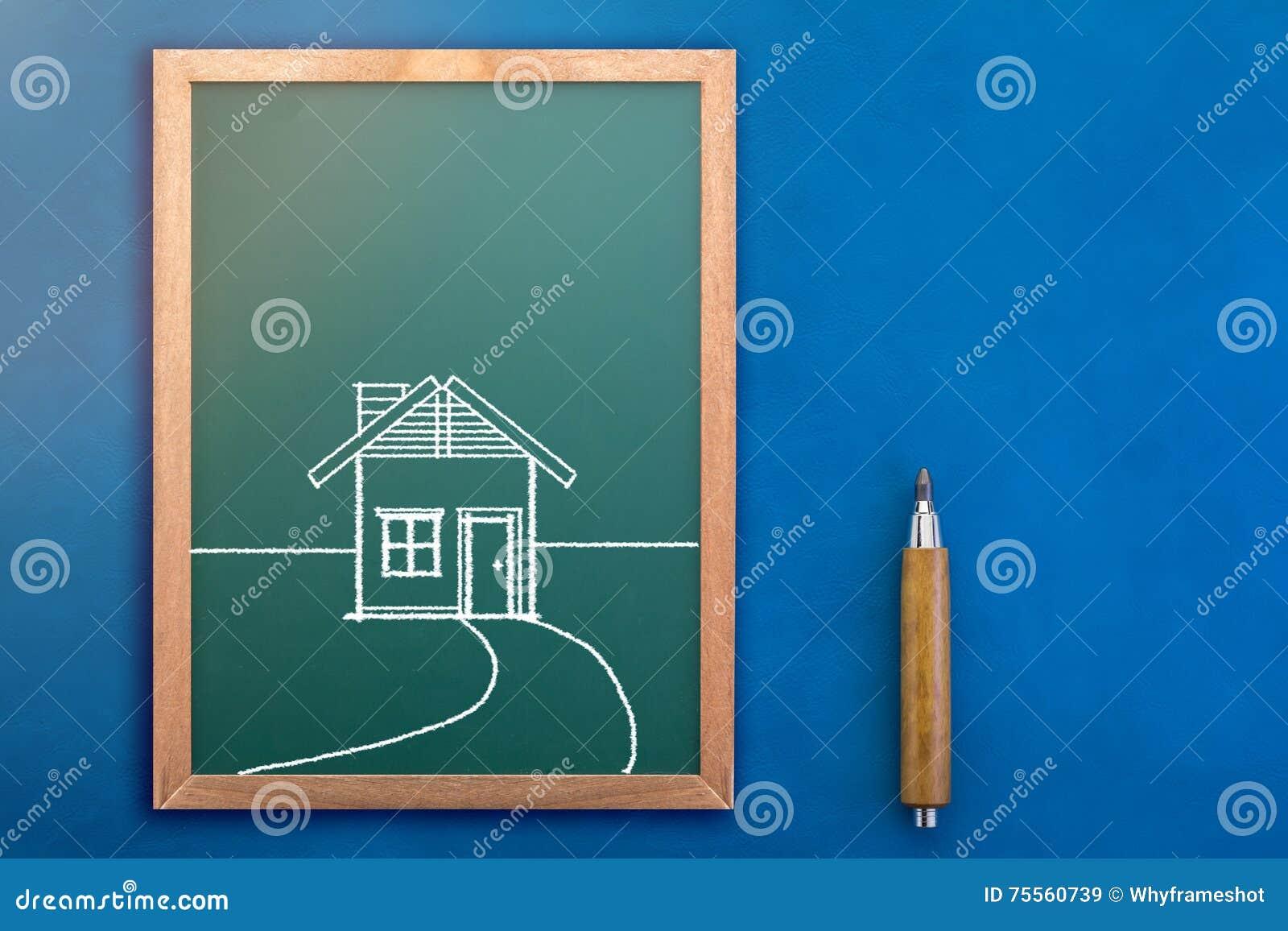 Dessin de maison sur le tableau jpg photo stock image for Tableau construction maison