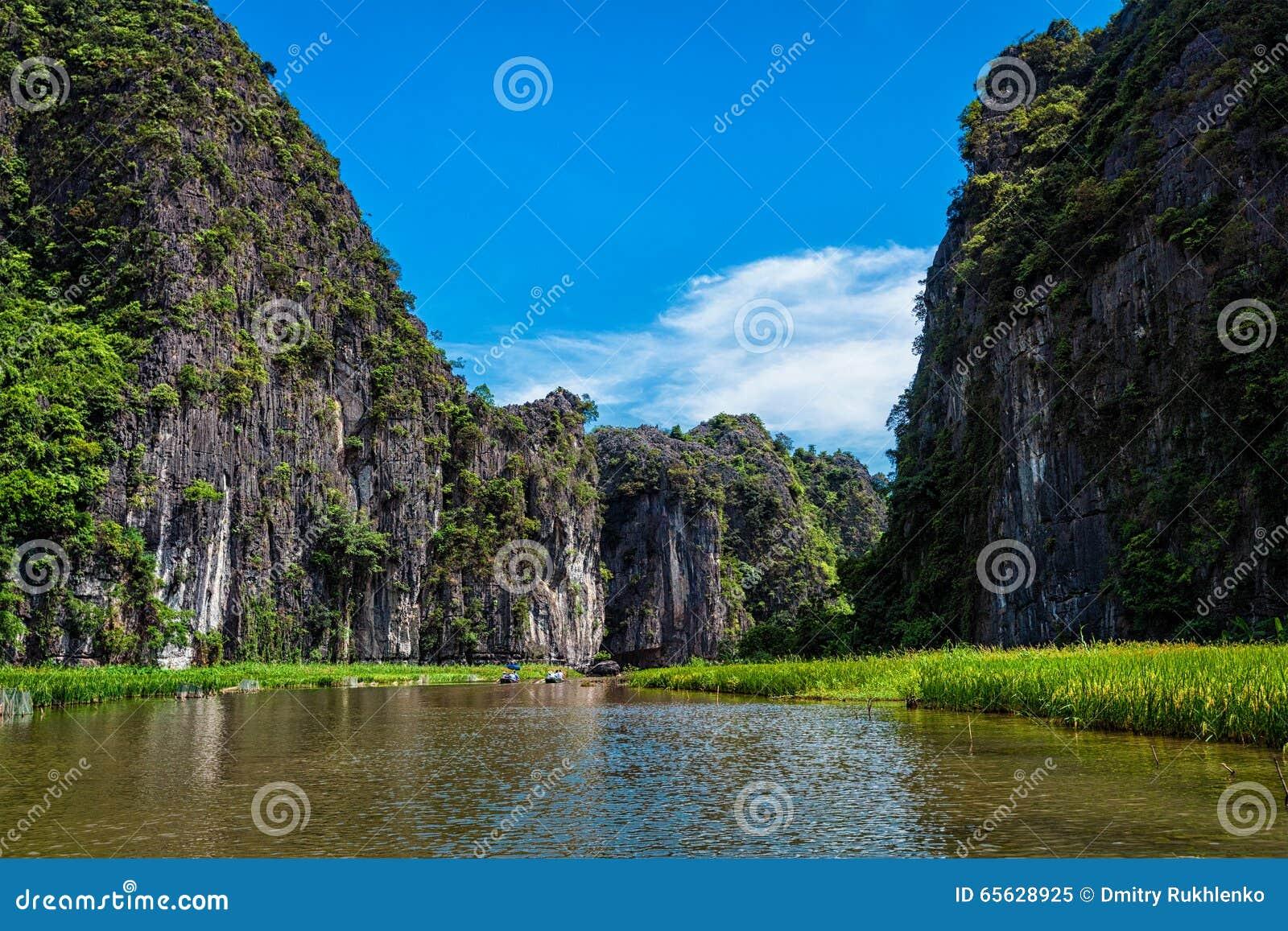 Destination de touristes de Tam Coc au Vietnam