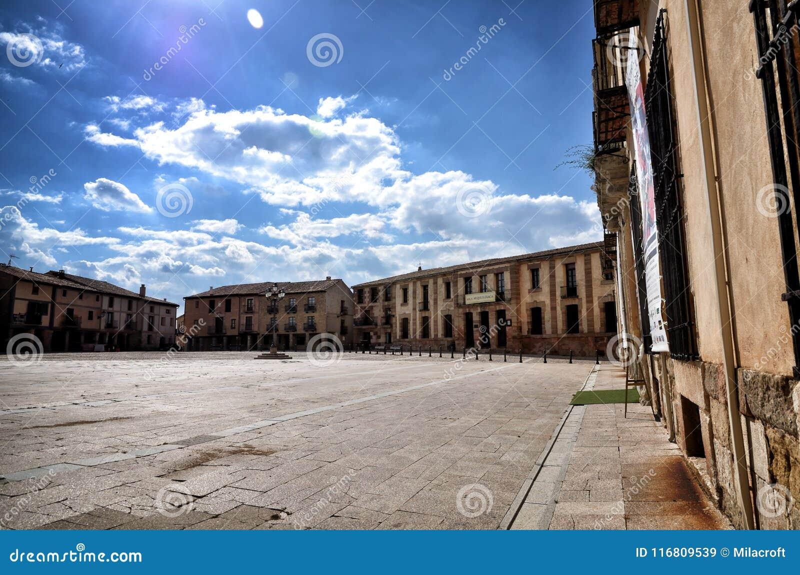 Destinazione spagnola, Medinaceli, città storica
