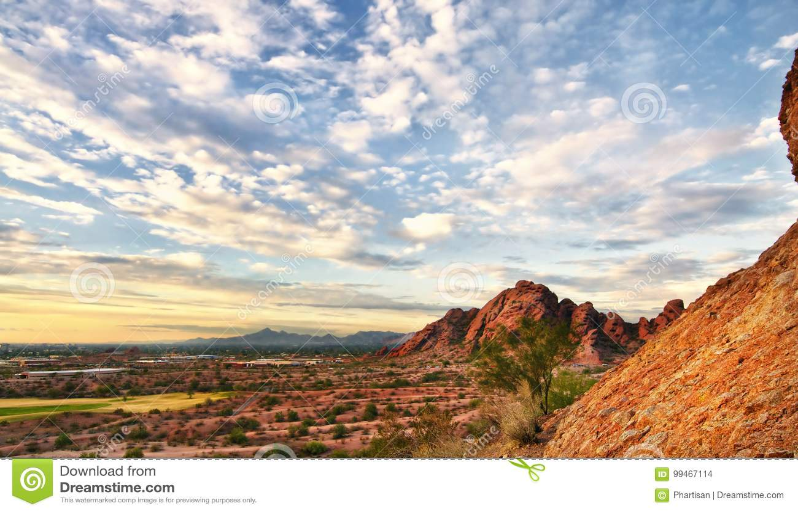 Det Arizona ökenlandskapet Papago parkerar Phoenix