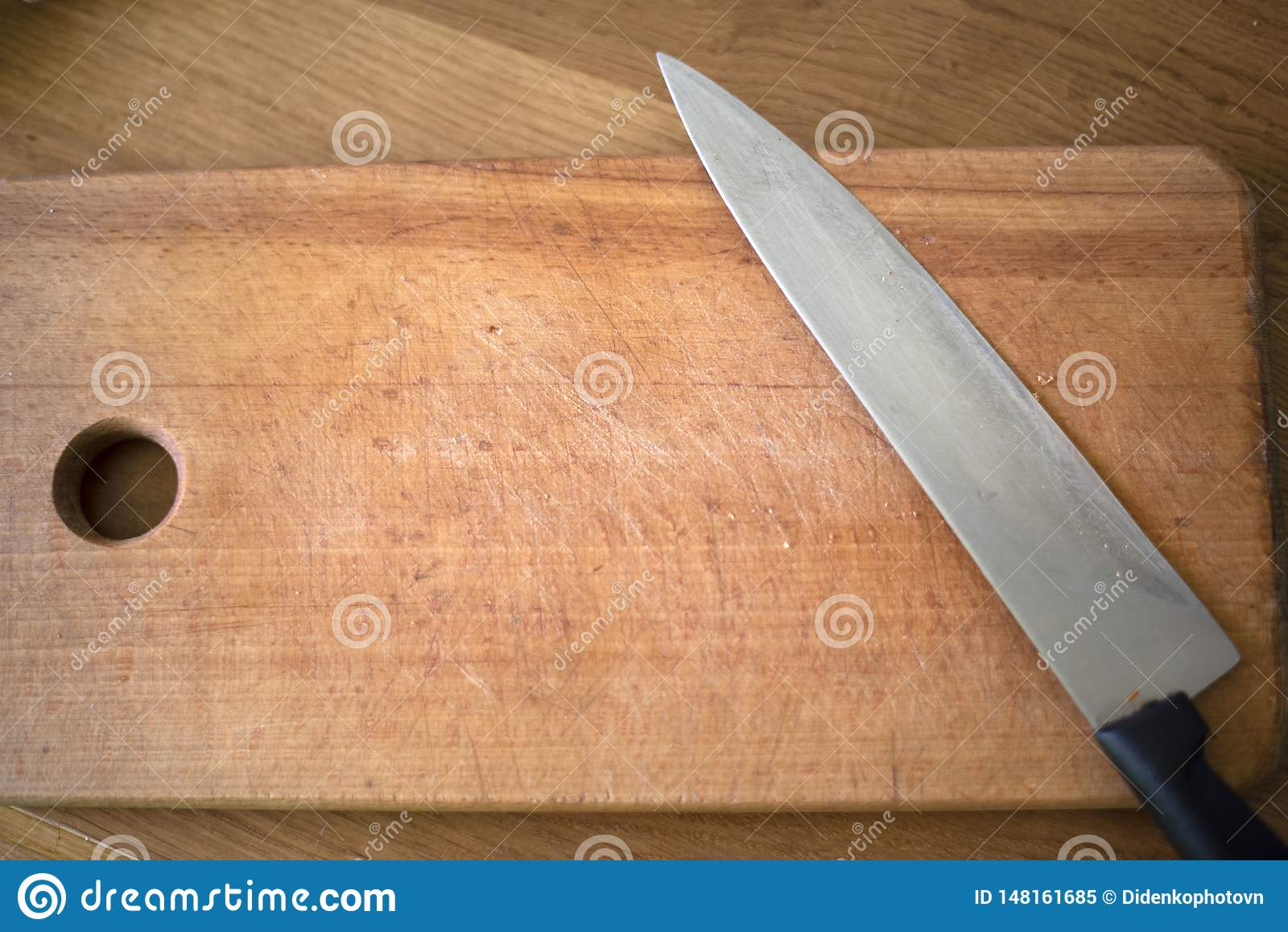 Det finns en kniv på brädet