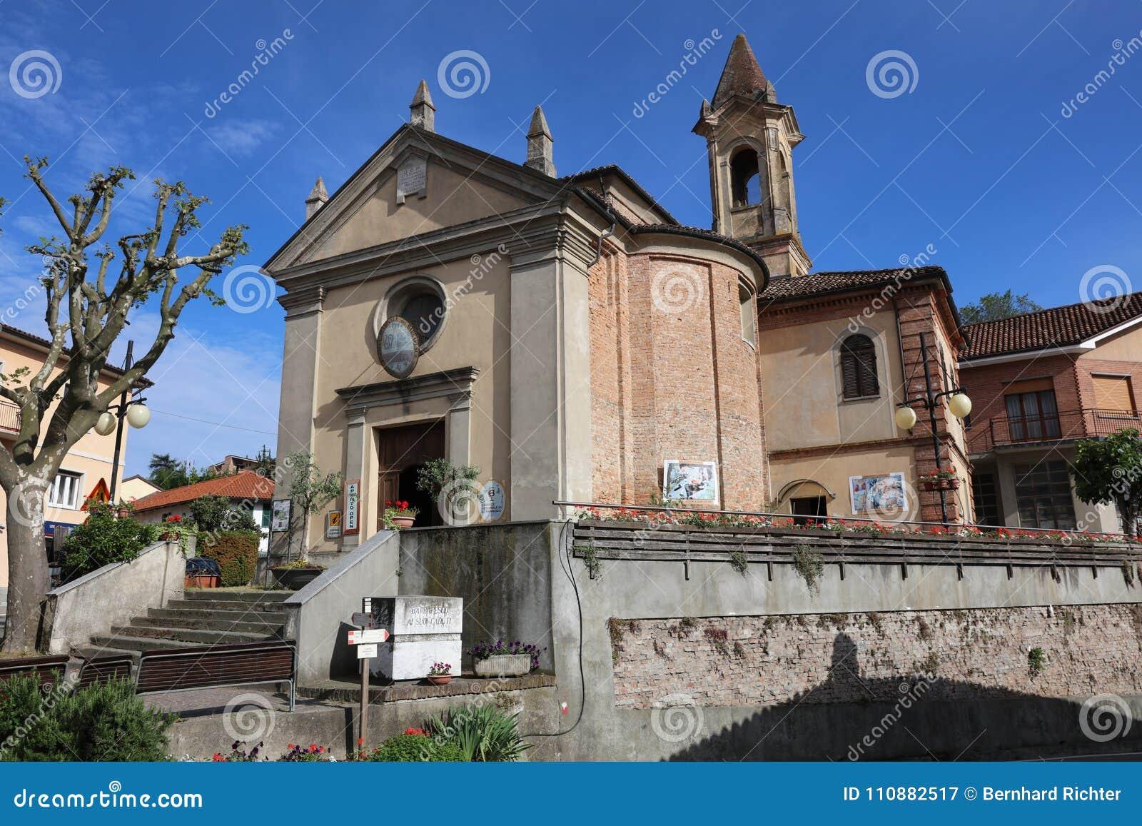 Det kollektiva Vinothek vinhuset i Barbaresco i området av Langhe piedmont italy
