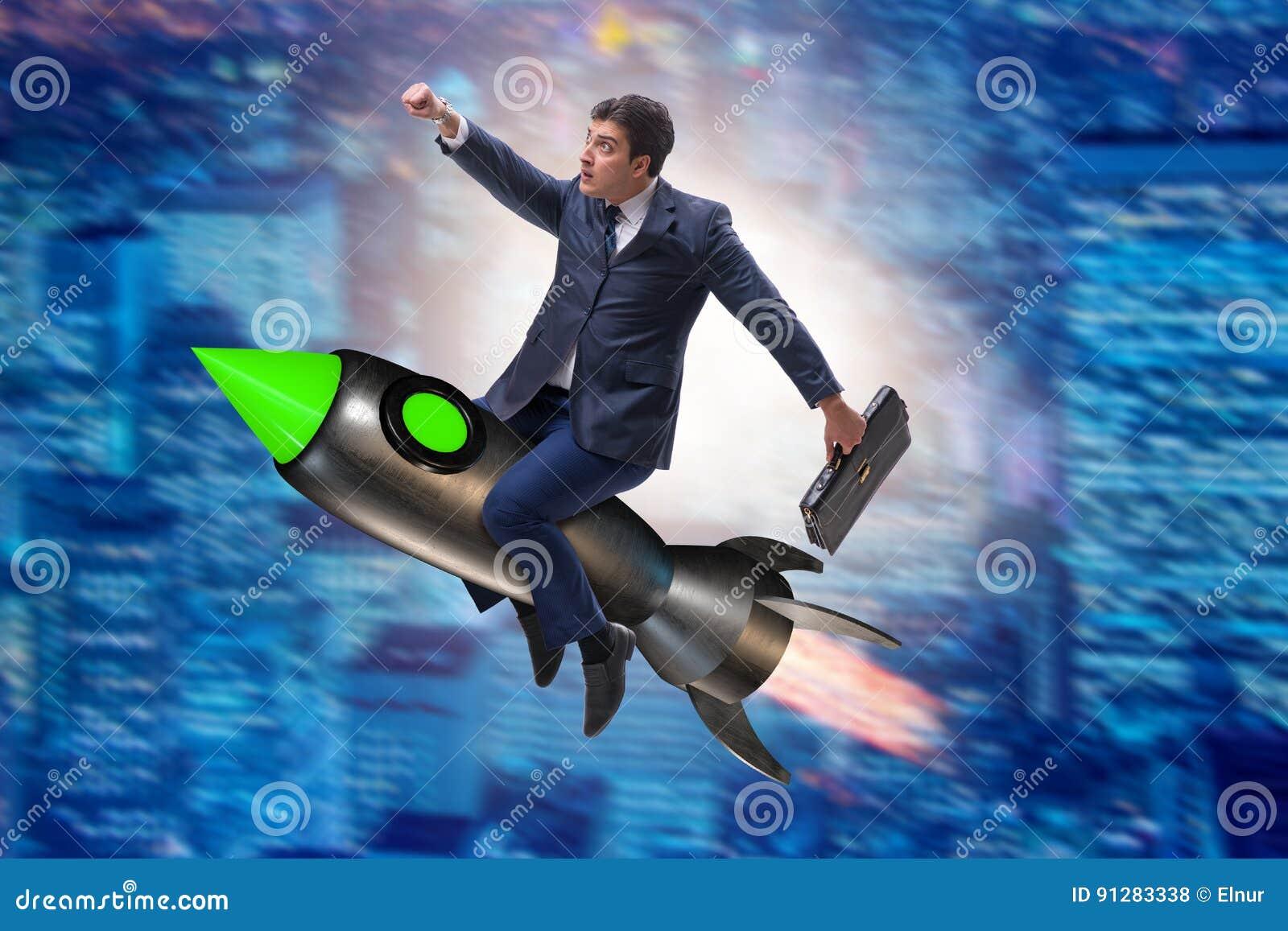 Det manliga affärsmanflyget på raket i affärsidé