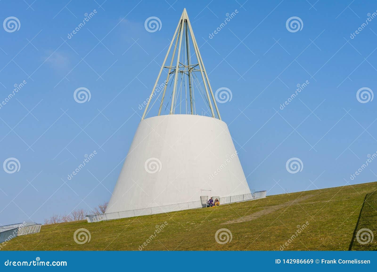 Det moderna gröna taket av universitetarkivet i delftfajans, Nederländerna