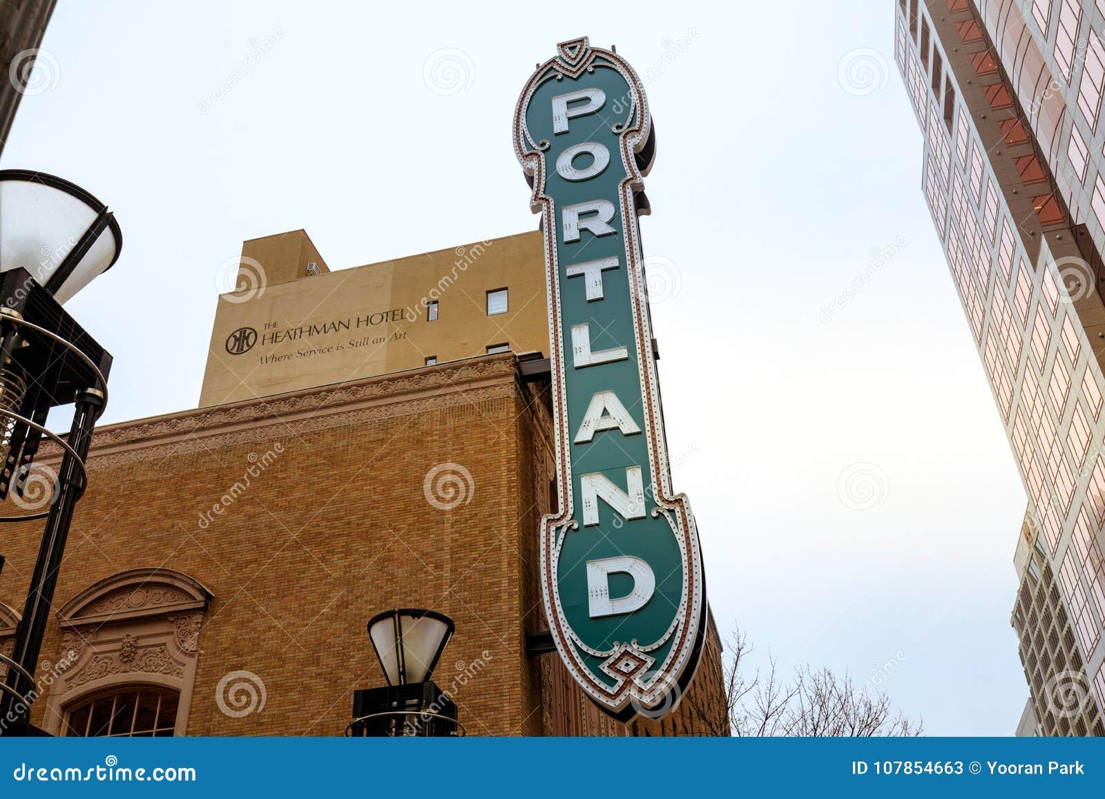 Det Portland tecknet på Arlene Schnitzer Concert Hall i Oregon