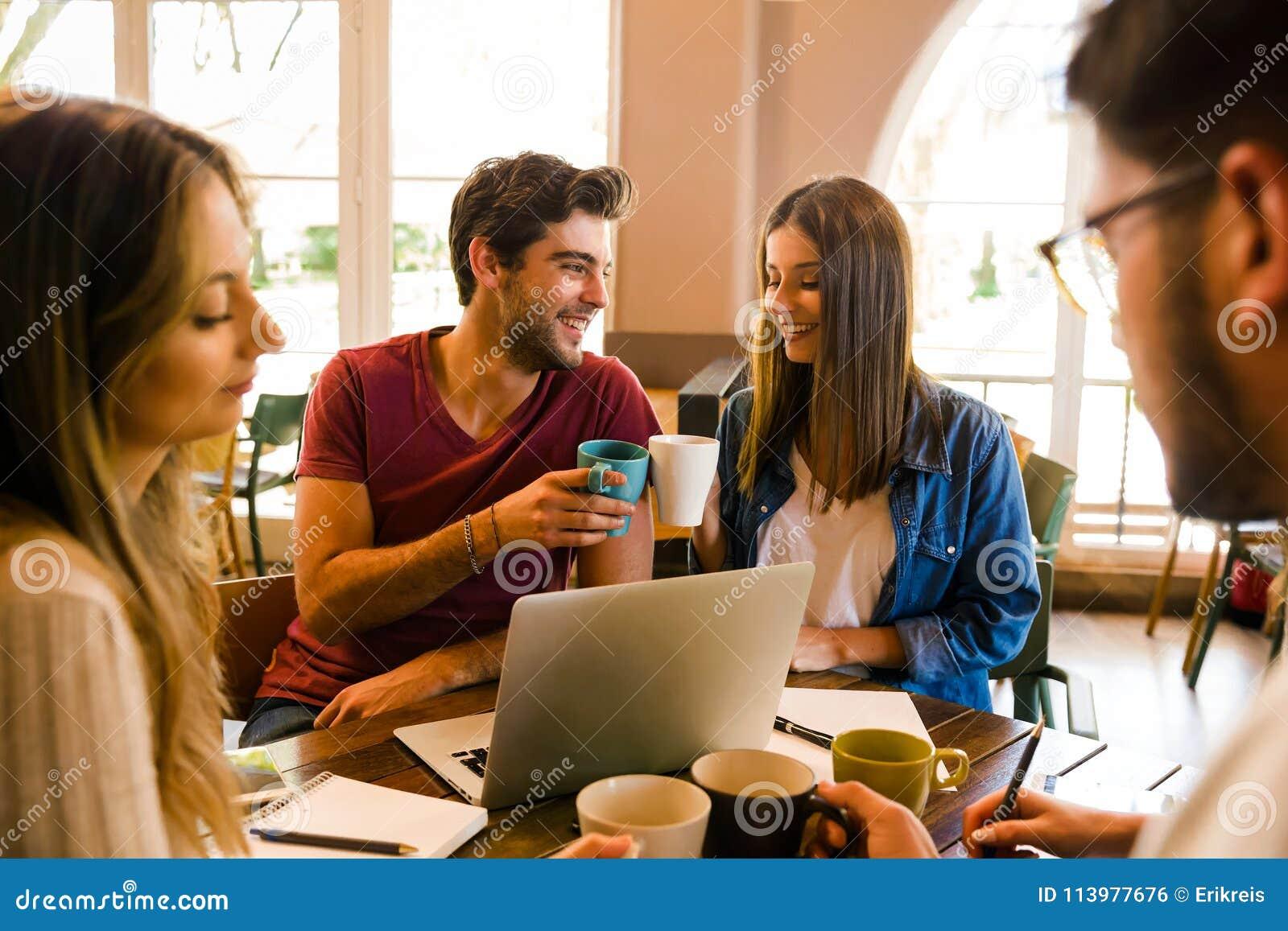 Det roligt studera för ` s alltid tillsammans