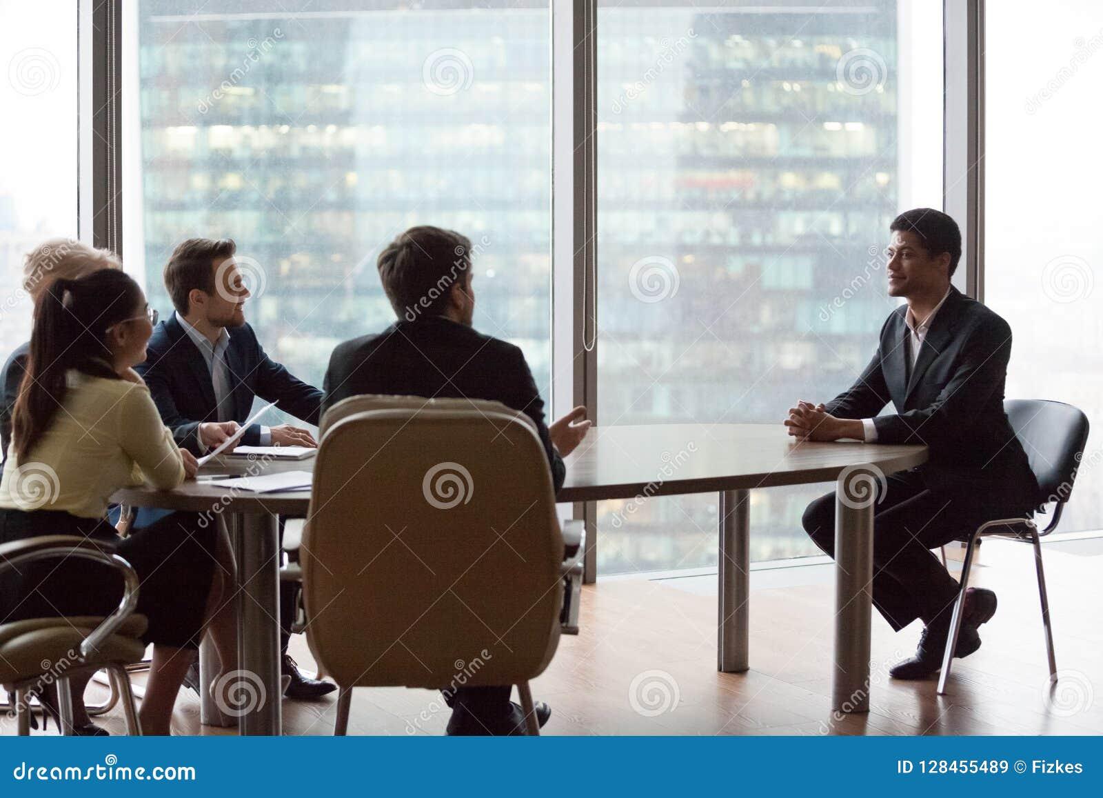 Det säkra svarta sökandet imponerar rekryterare under intervju