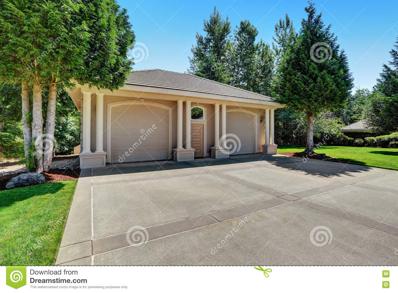 Detached Double Doors Garage With Columns Stock Photo Image Of Green Stone 77540156