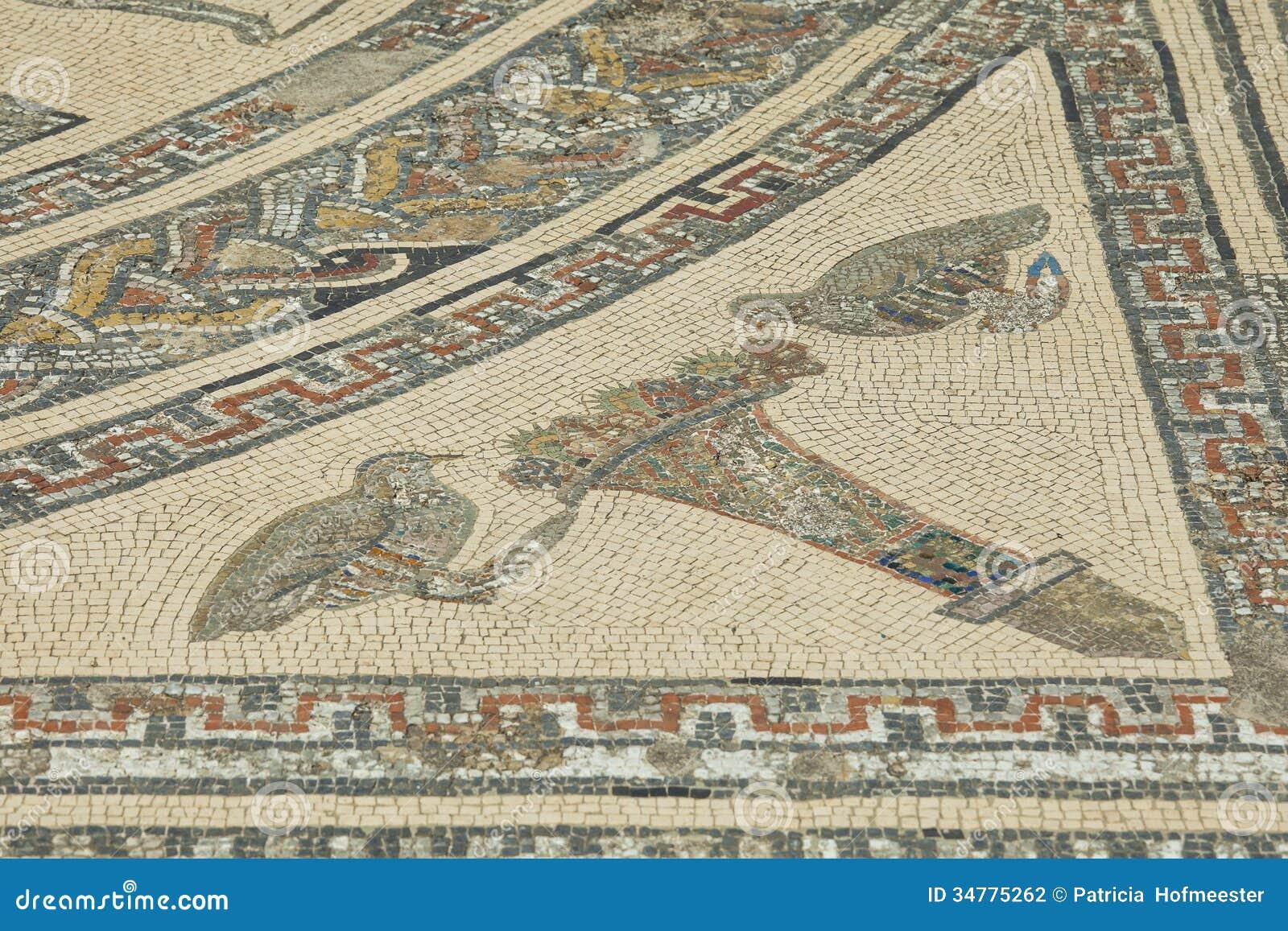 Detail of ancient roman mosaic at volubilis stock photography image 34775262 - Maison romaine antique ...