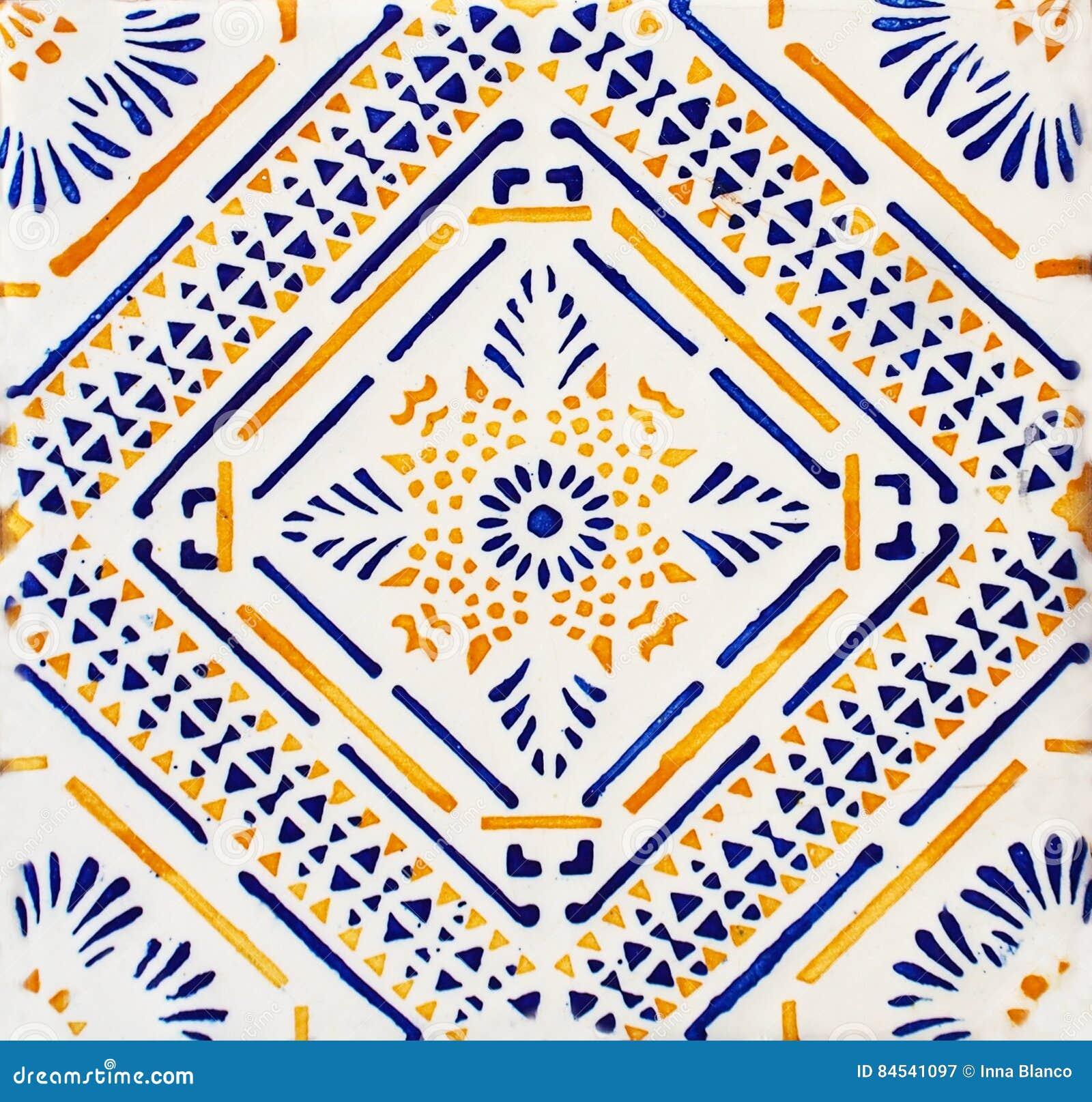 Detail Der Traditionellen Fliesen Von Der Fassade Des Alten Hauses  Dekorative Fliesen Valencian Traditionelle Fliesen Muster 08 M