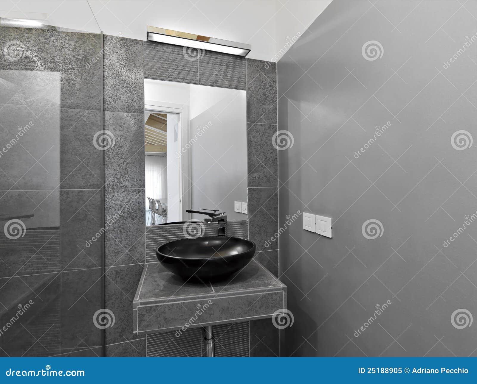 Detail Des Waschbeckens In Einem Modernen Badezimmer Stockbild ...