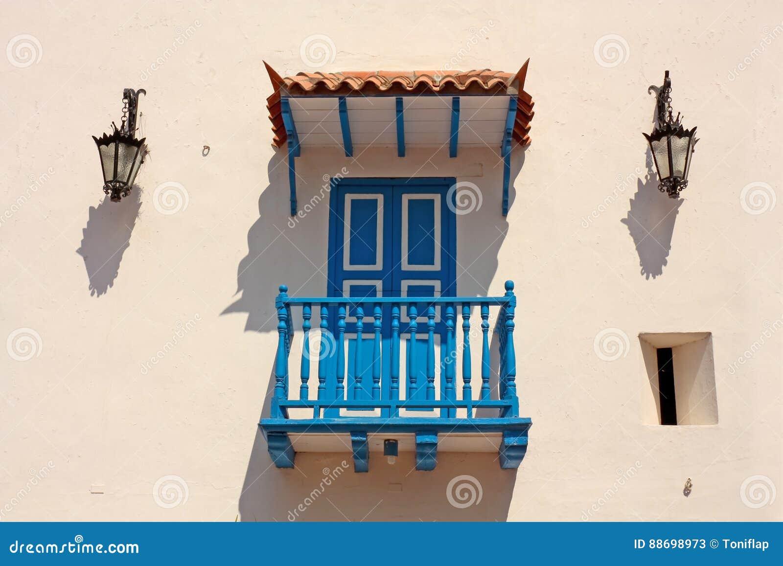 Detail Eines Kolonialhauses Typischer Balkon In Cartagena De Ind