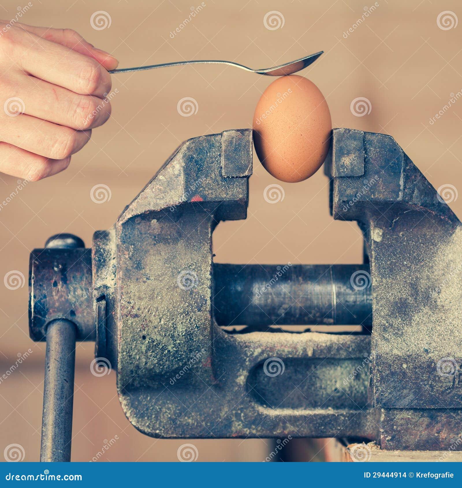 грудь покачивается видео онлайн яйца в тисках появился свободном махровом