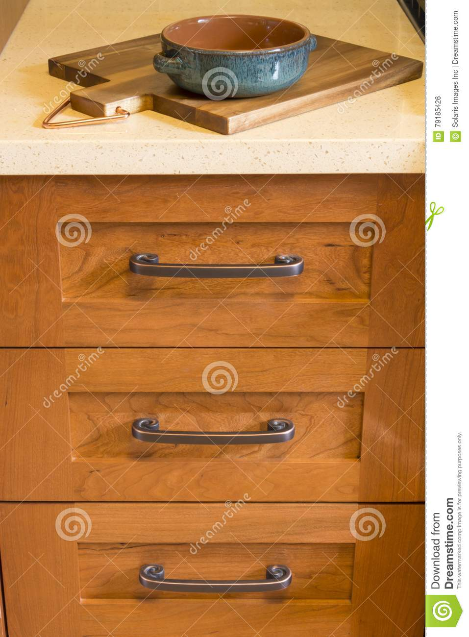 Detail Of High Quality Wood Kitchen Cabinets Cabinet Hardware And Quartz Countertop With Cutting Board And Serving Dish Stock Photo Image Of Details Cutting 79185426