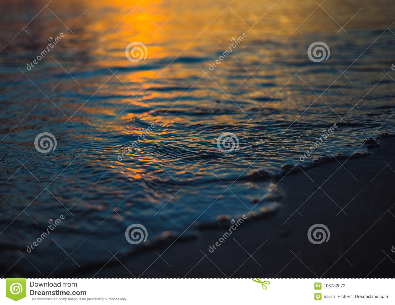 Detail of the sea at sunset