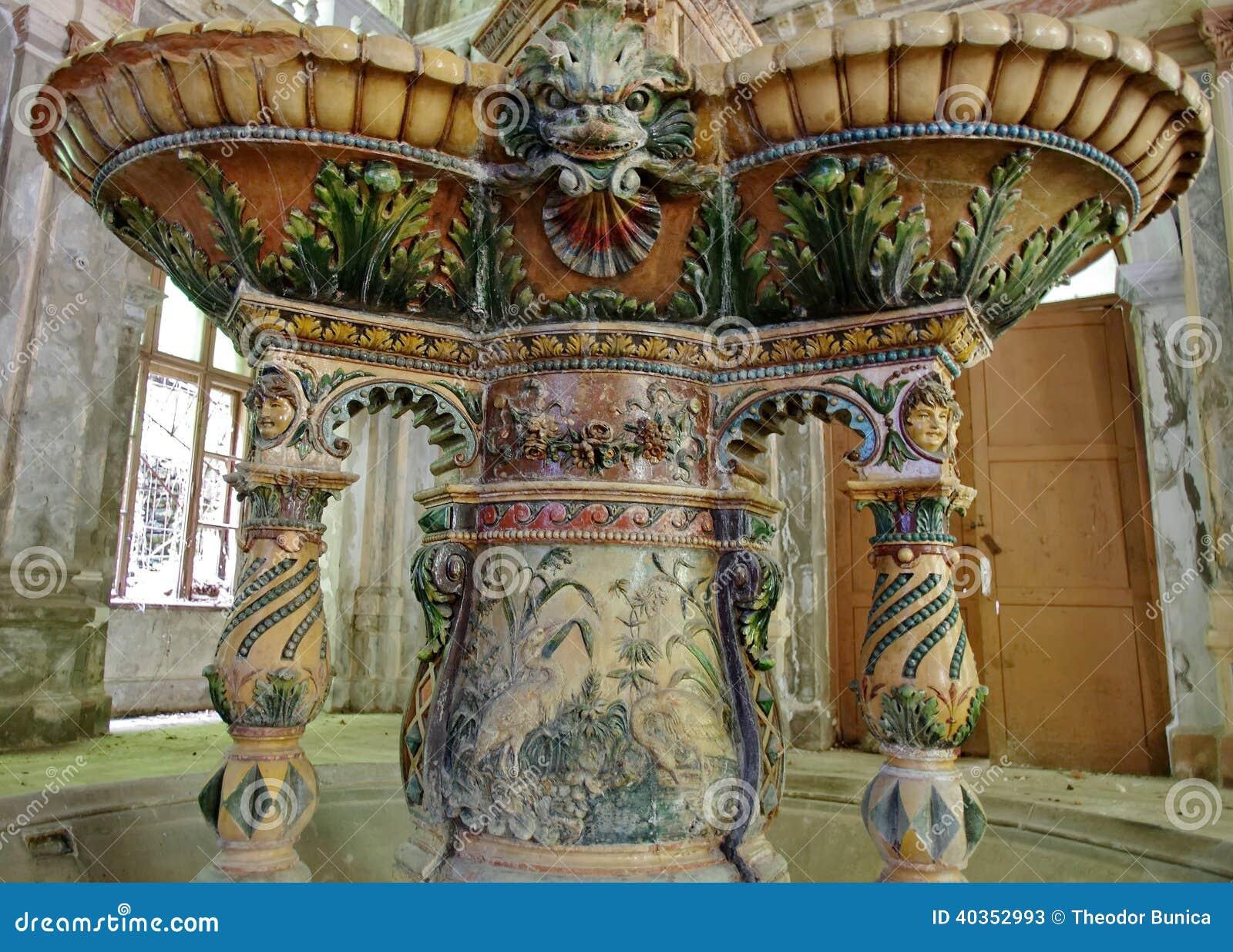 Detail van een fontein van de 19de eeuw - Baile Herculane - Roemenië