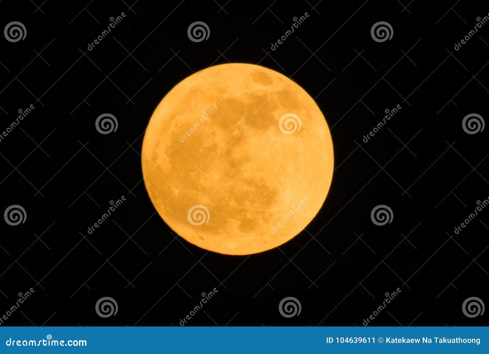 Download Detail van volle maan stock afbeelding. Afbeelding bestaande uit detail - 104639611