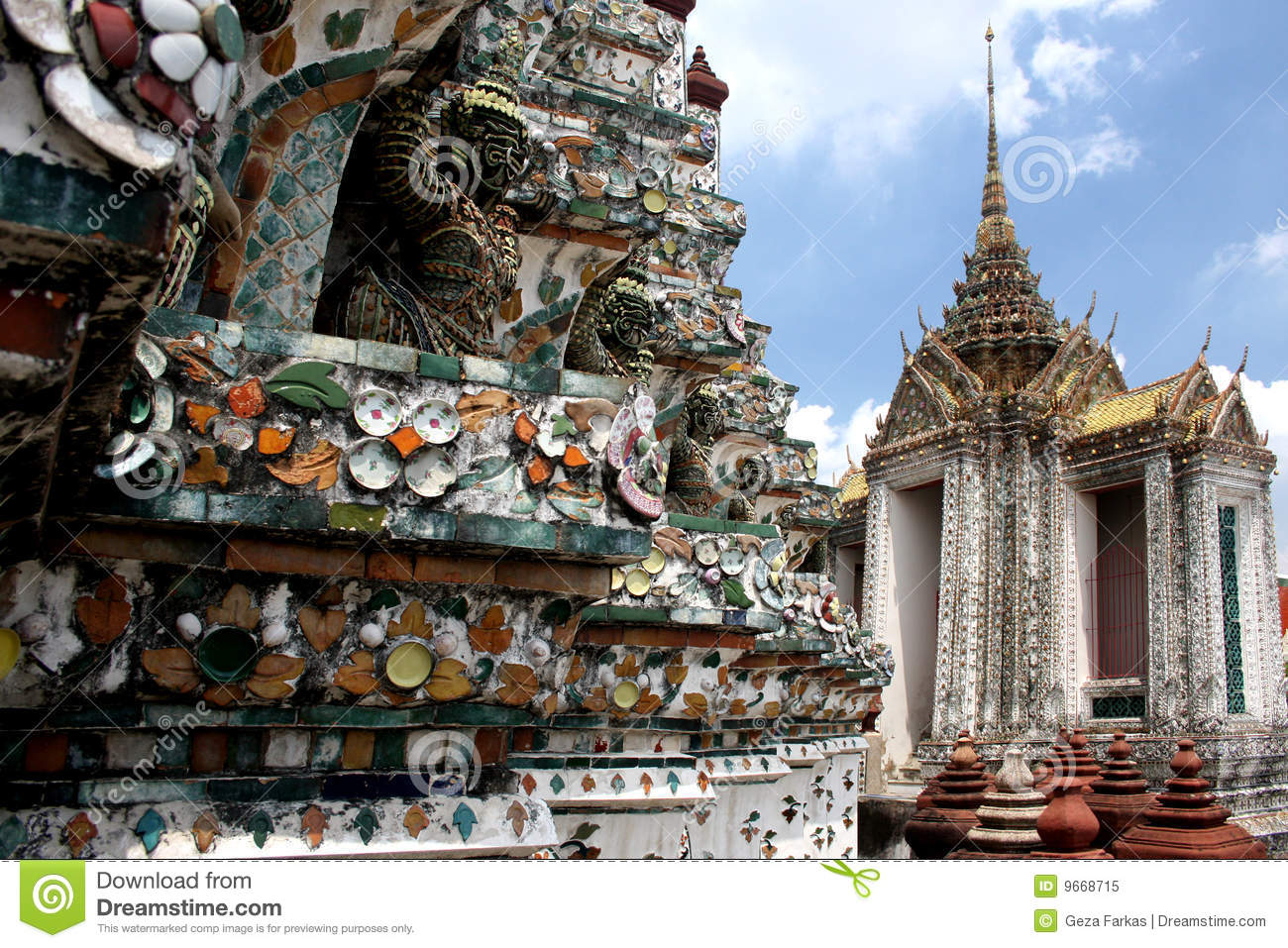 Detail of wat arun temple architecture royalty free stock for Wat architecture