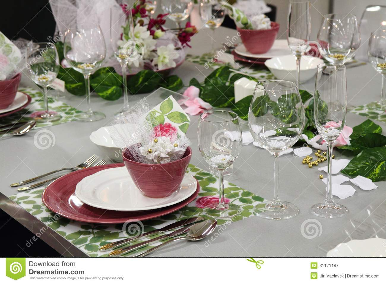detail wedding table decorations royalty free stock photography image 31171187. Black Bedroom Furniture Sets. Home Design Ideas