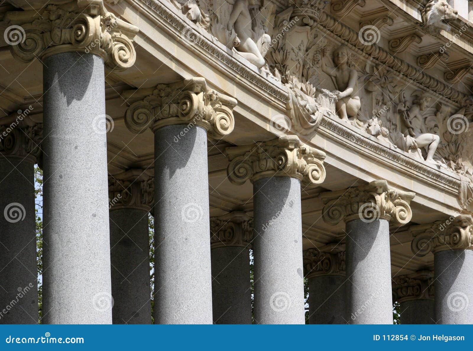 Details der korinthischen Spalten