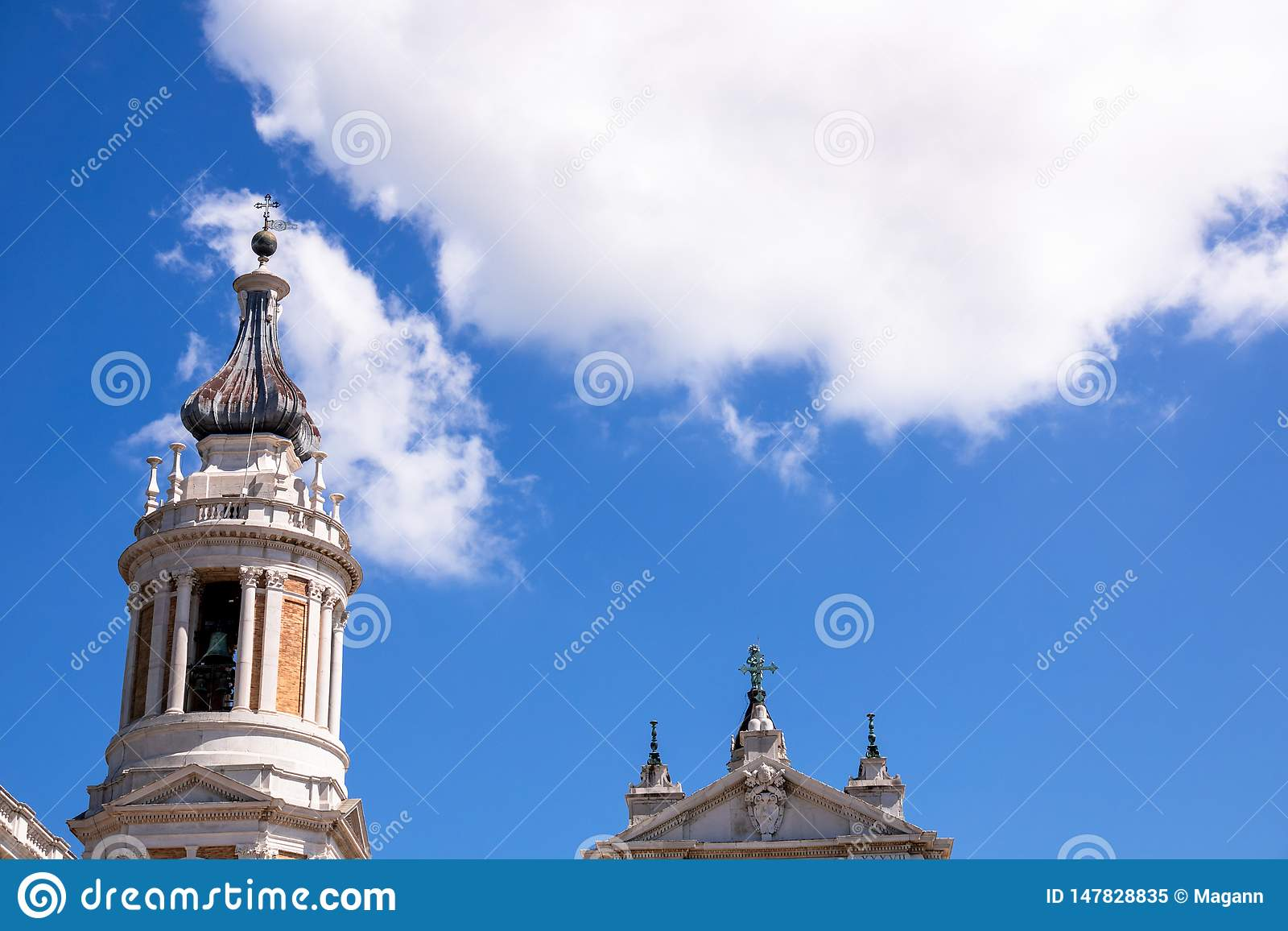 Details des Basilika della Santa Casa in Italien Marken