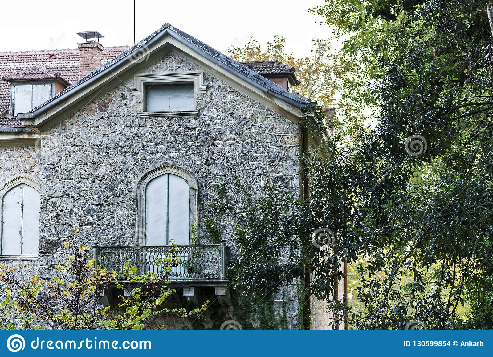 Details von Tatoi-Palast, der ein ehemaliges griechisches Königsfamilieferienhaus und ein Geburtsort von König George II von Grie