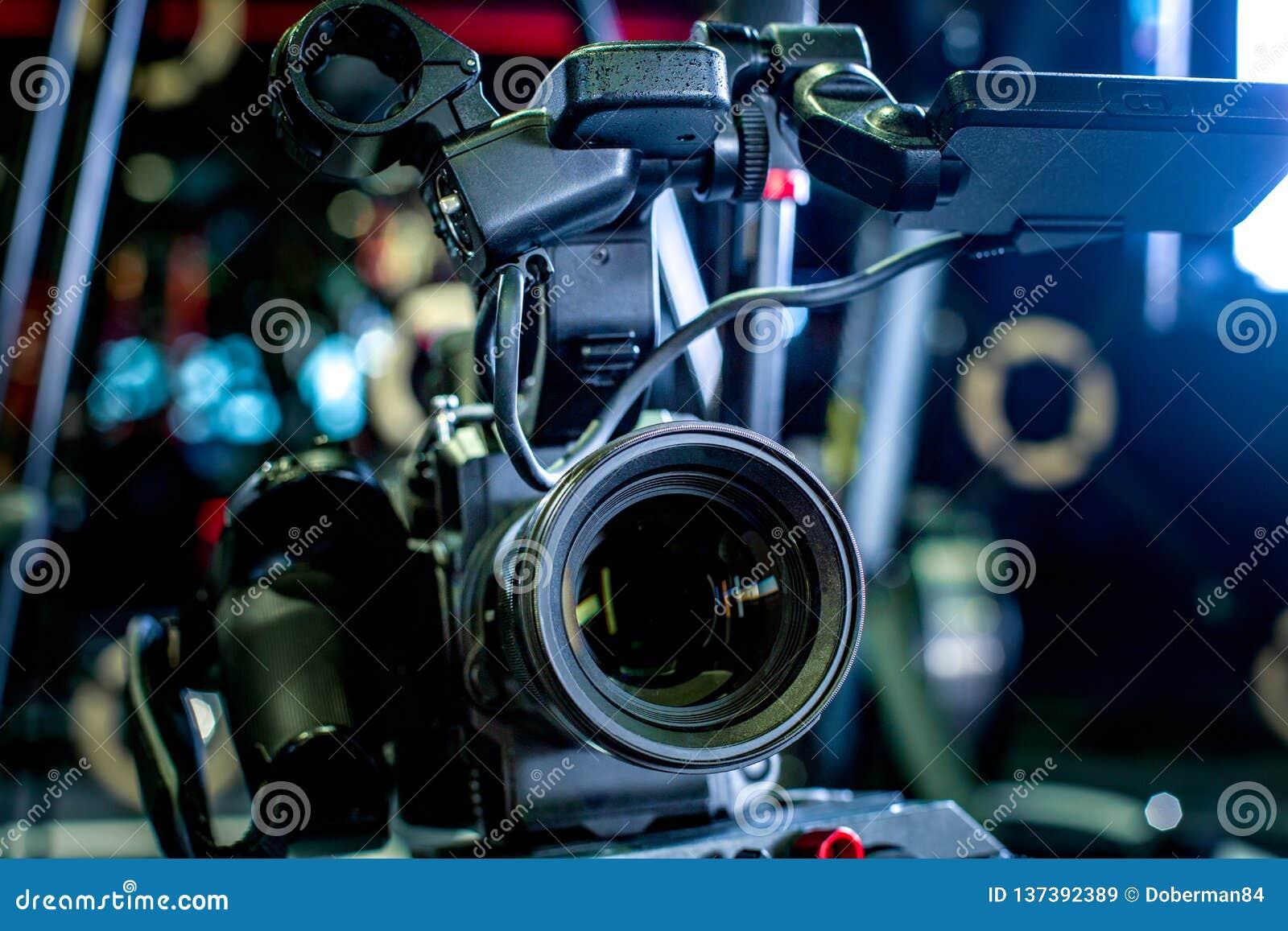 Detalhe de equipamento profissional da câmera, estúdio da produção do filme