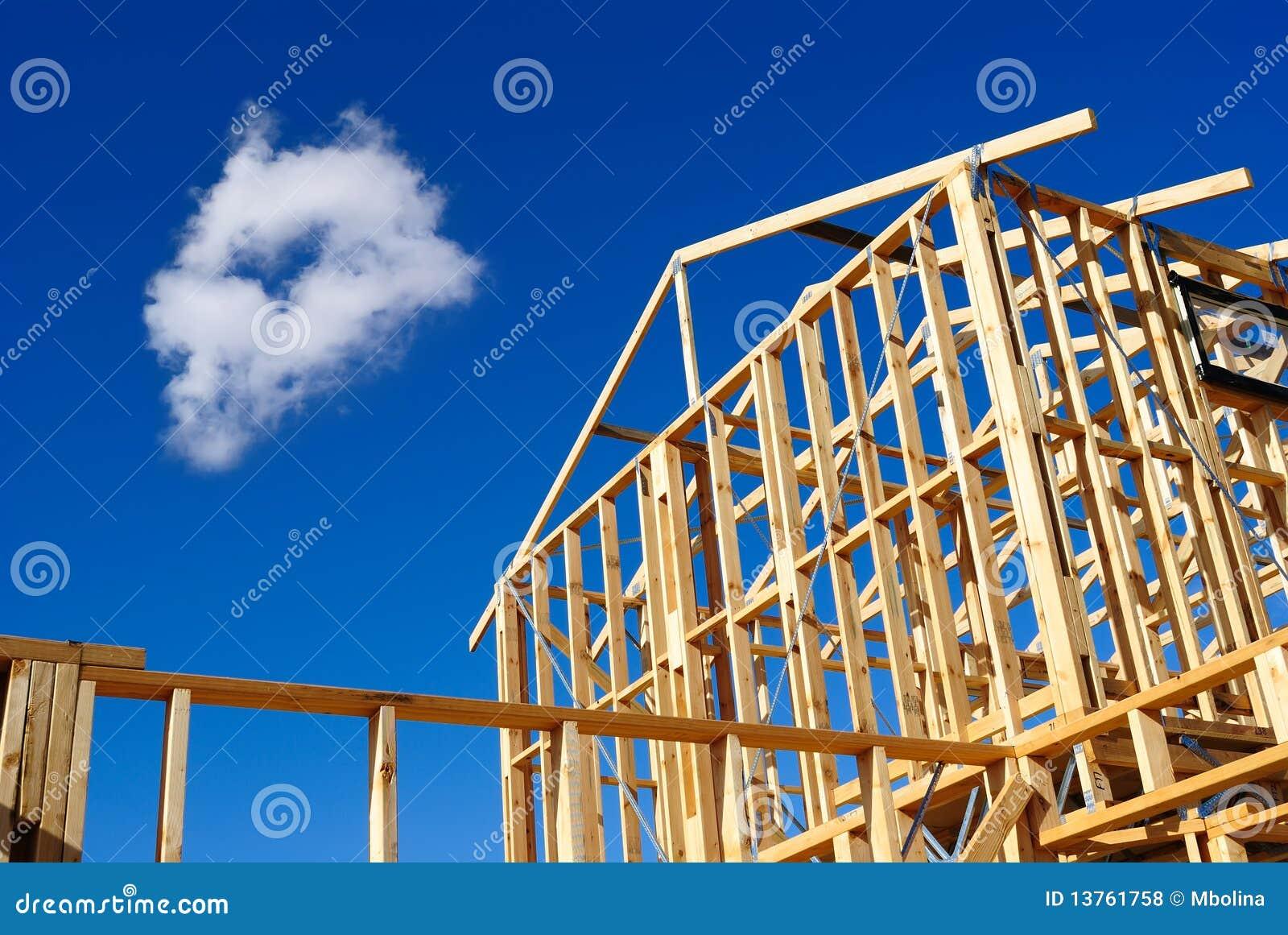 Detalhe de frame da casa sob a construção