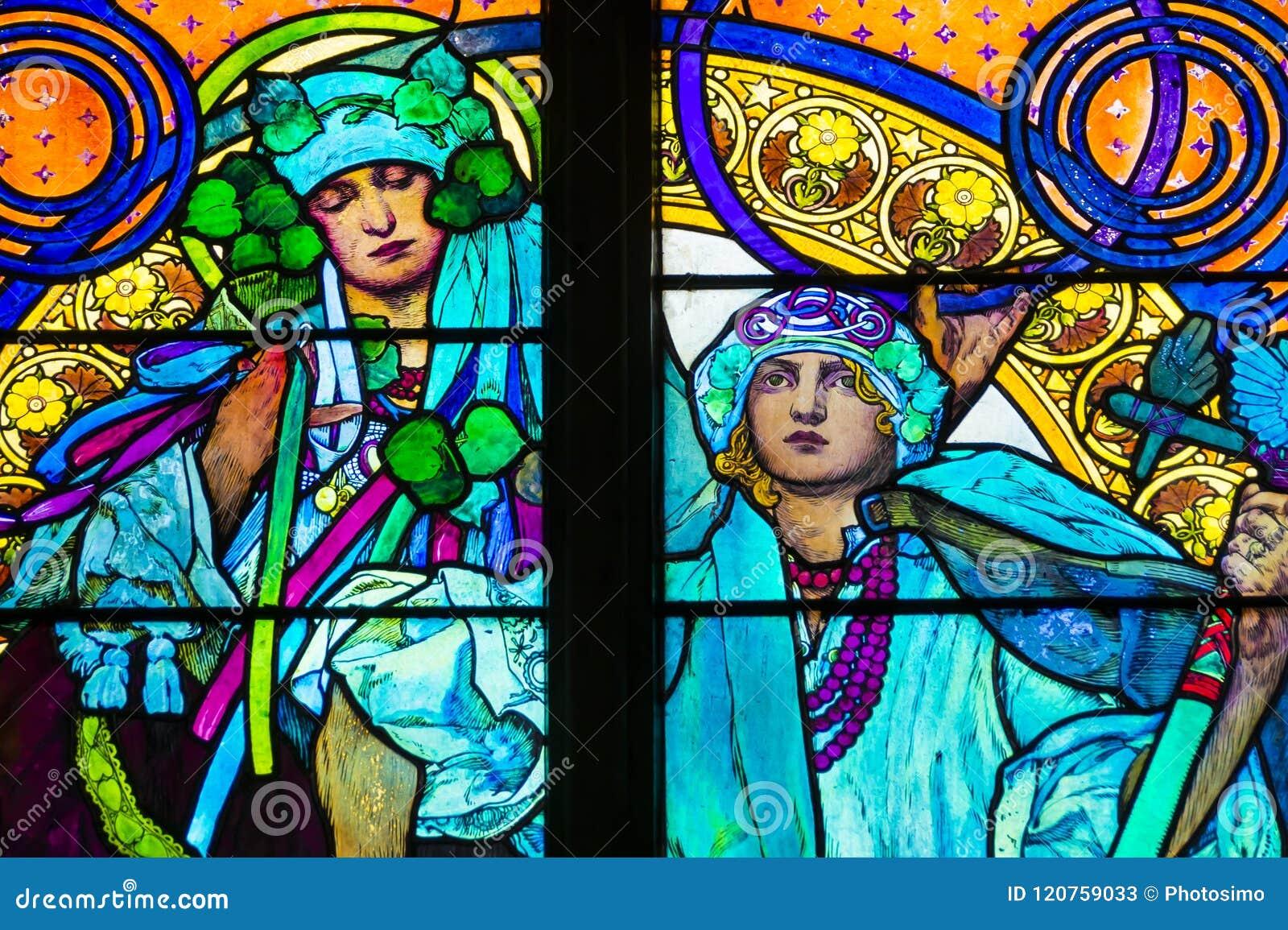 Detalhe de janela de vitral do art nouveau