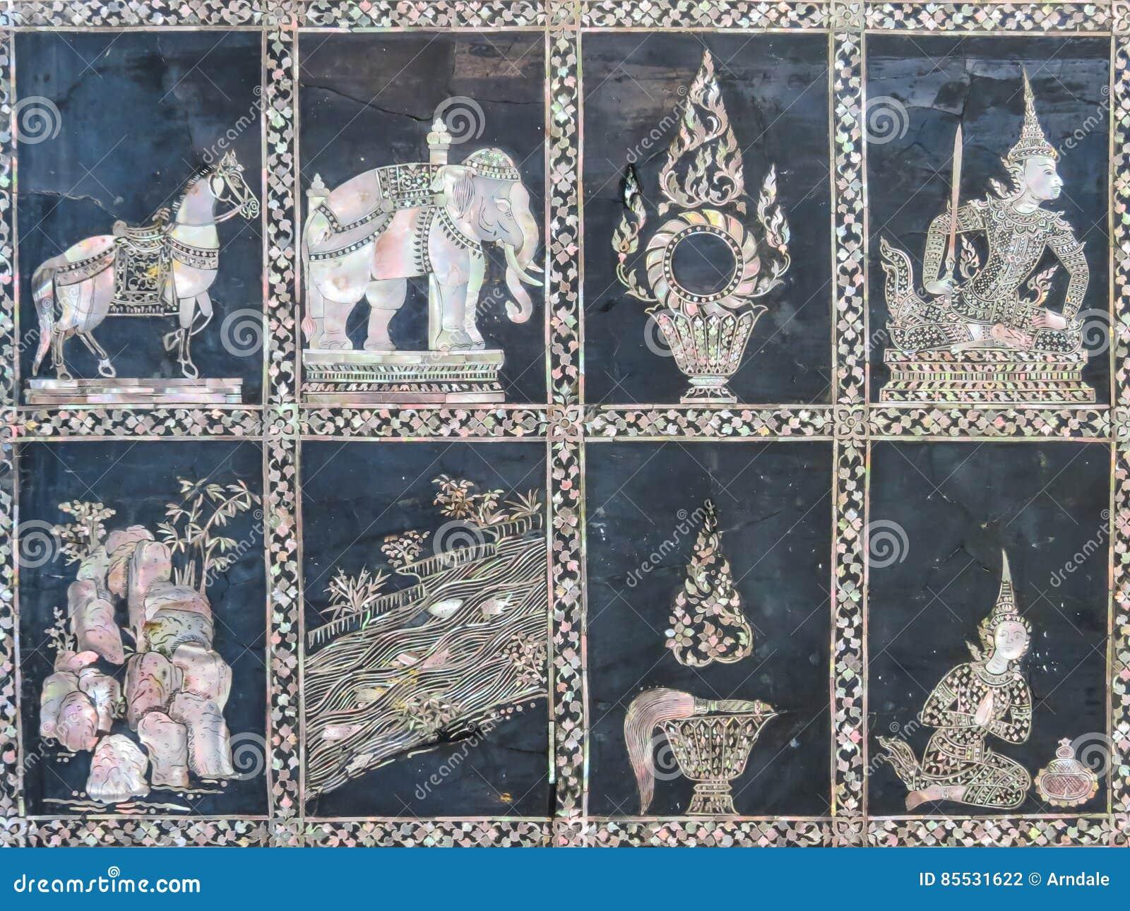 Detalhe de mosaico nacreous em Wat Pho Temple antigo