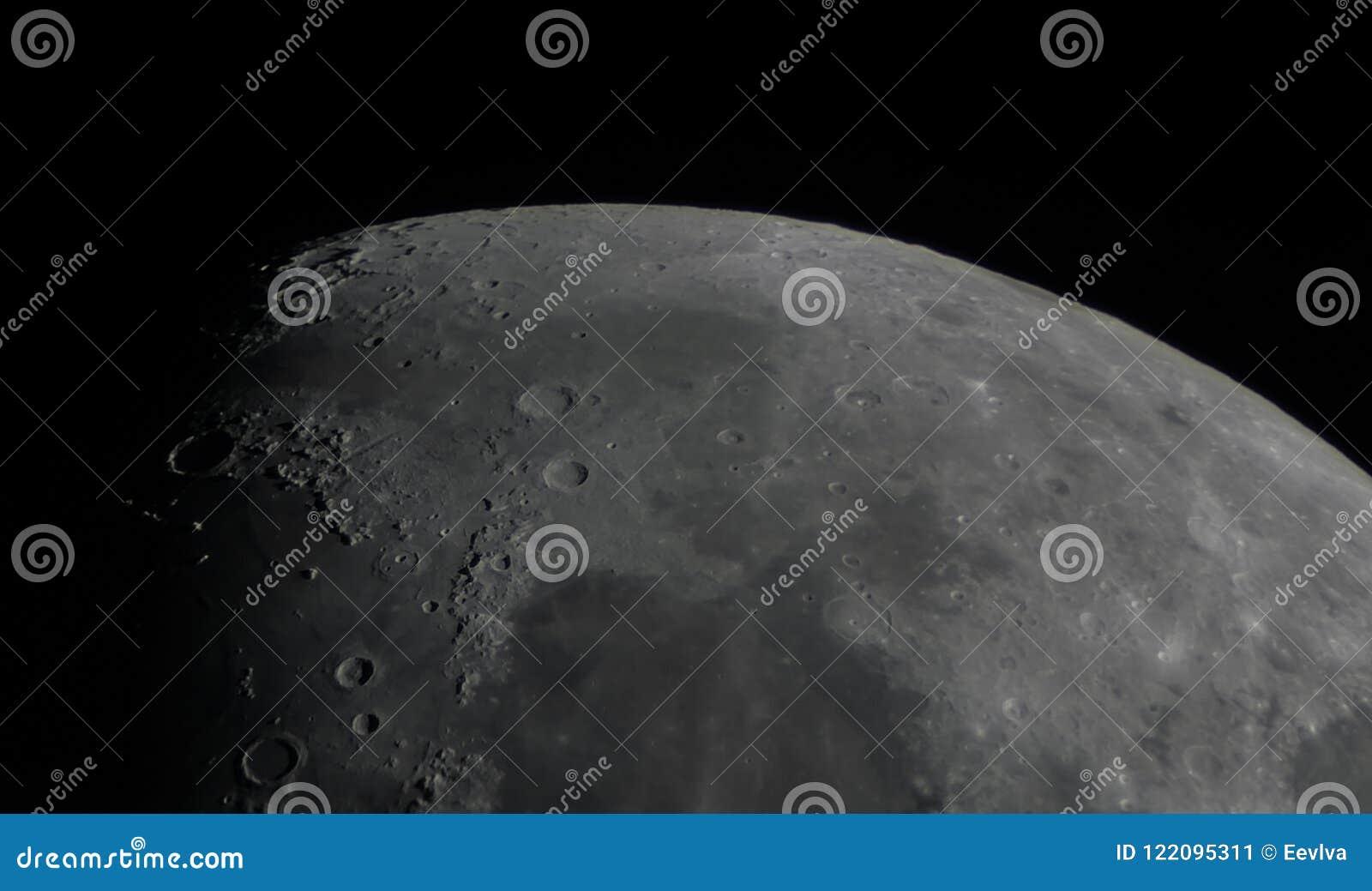 Detalhe de superfície da lua