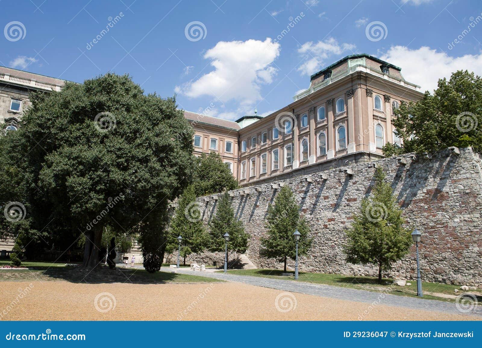 Download Detalhe do castelo em Buda imagem de stock. Imagem de feriado - 29236047